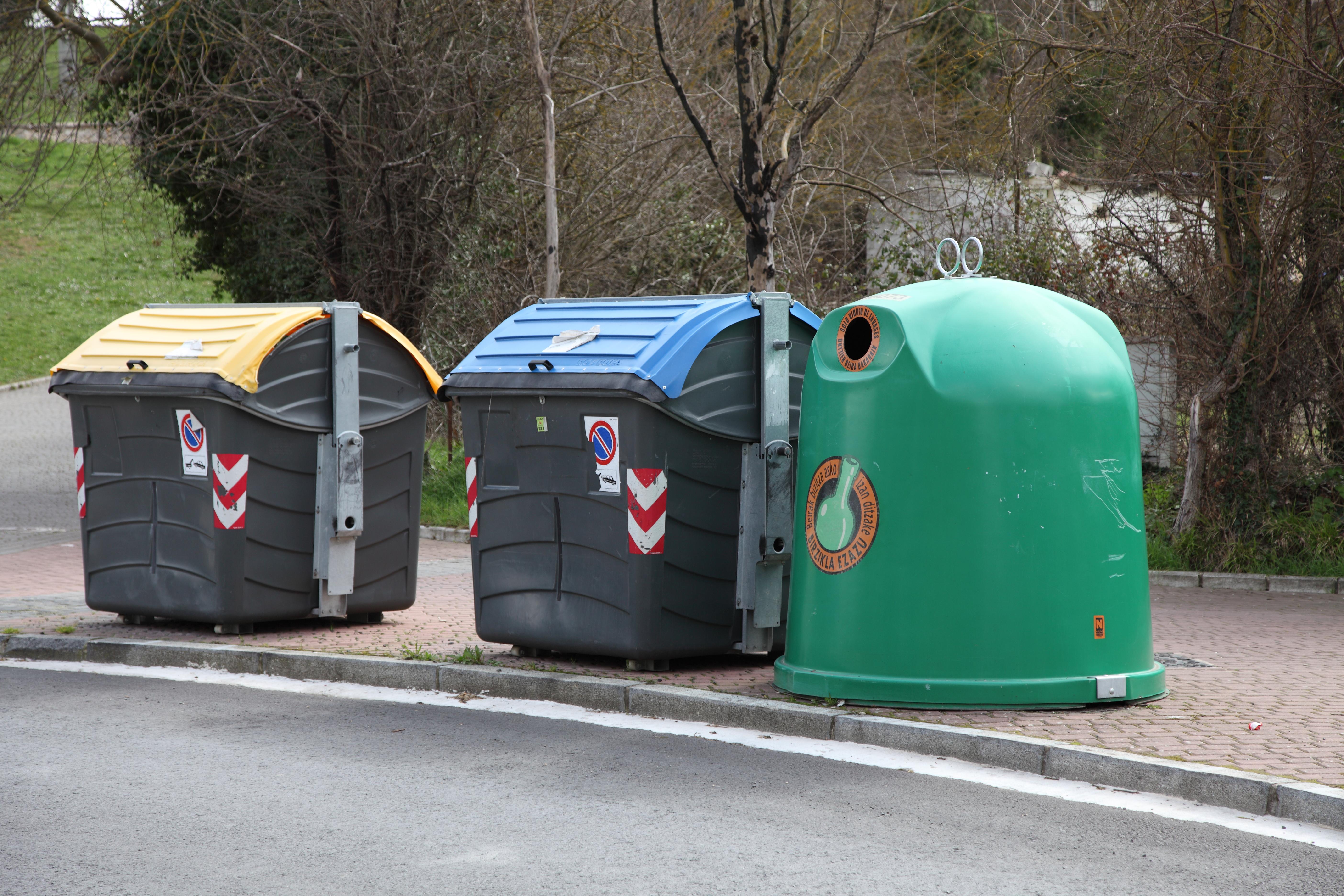 File contenedores de reciclaje jpg - Contenedores de reciclar ...