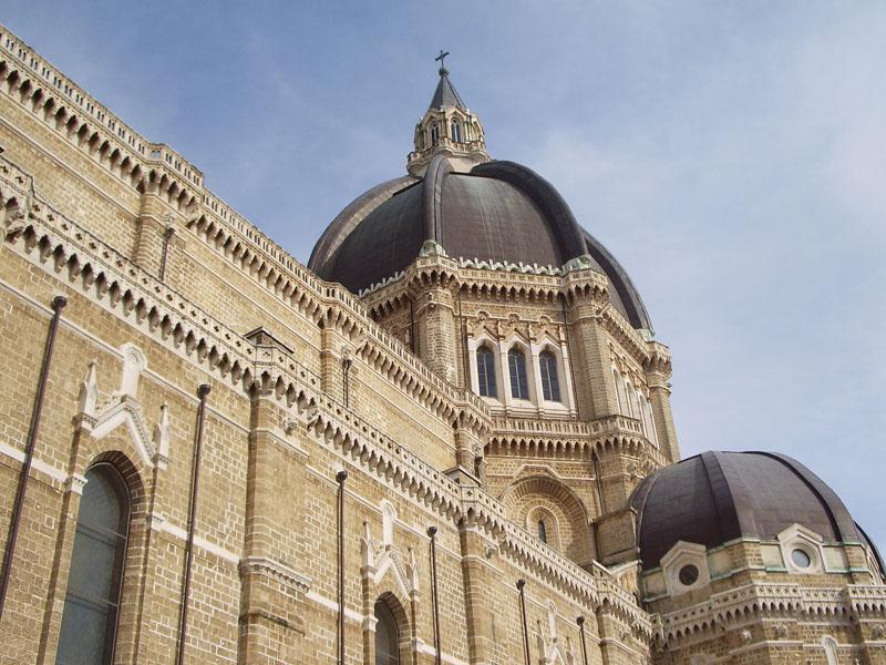 La Chiesa in politica? Al vescovo Felice Di Molfetta