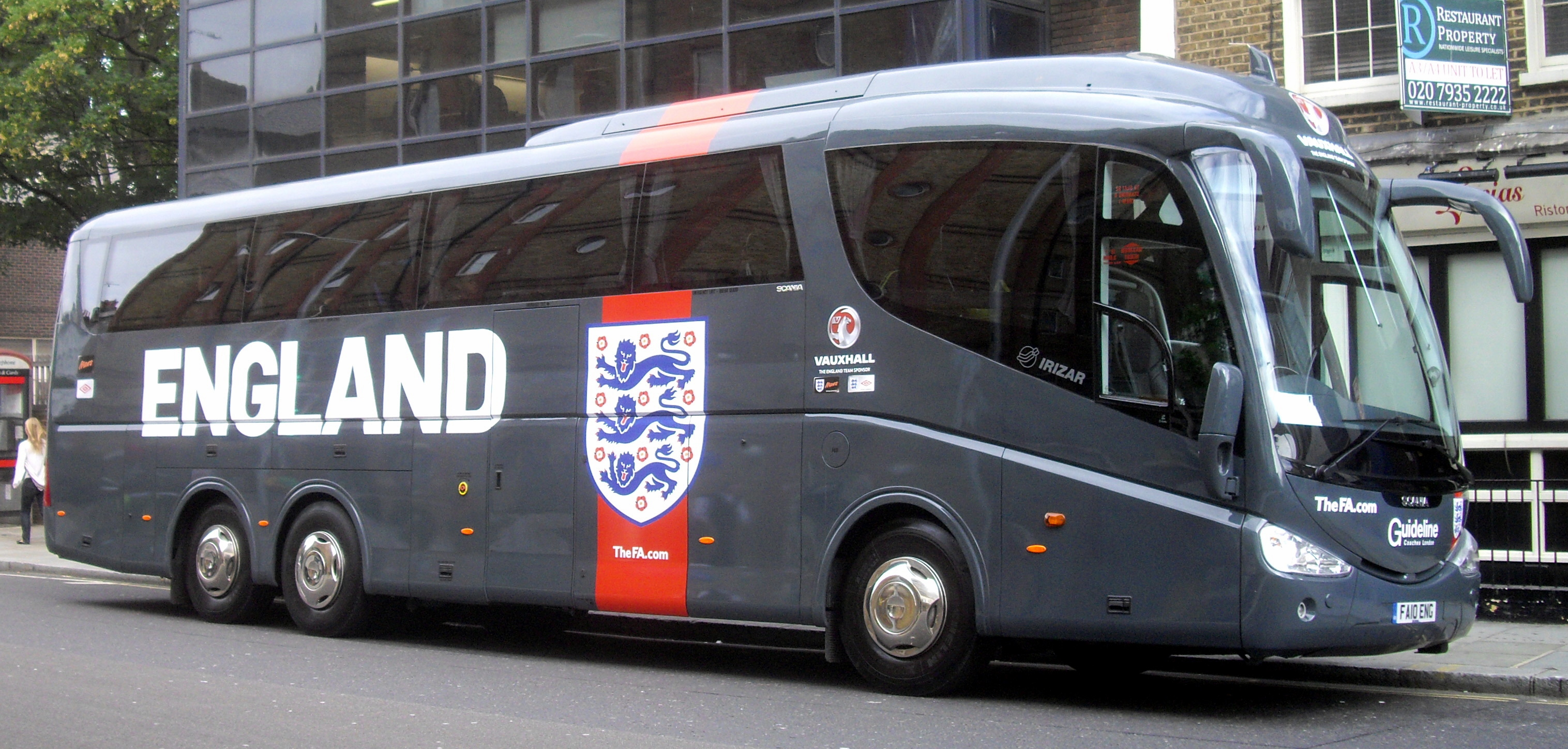 File:England team bus, Guideline Coaches London (FA10 ENG ...
