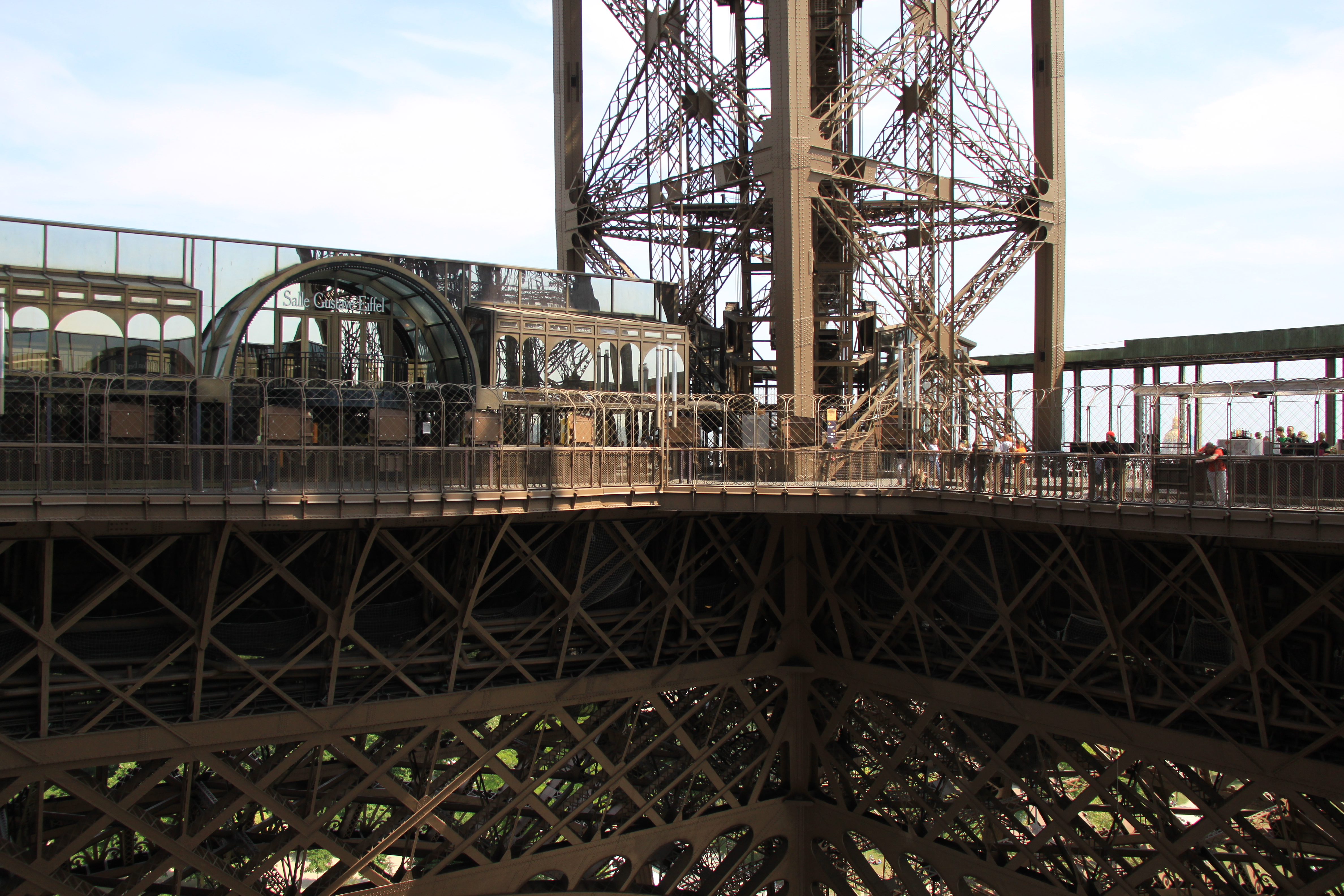 File first floor of the eiffel tower 2 paris april for Floors of the eiffel tower