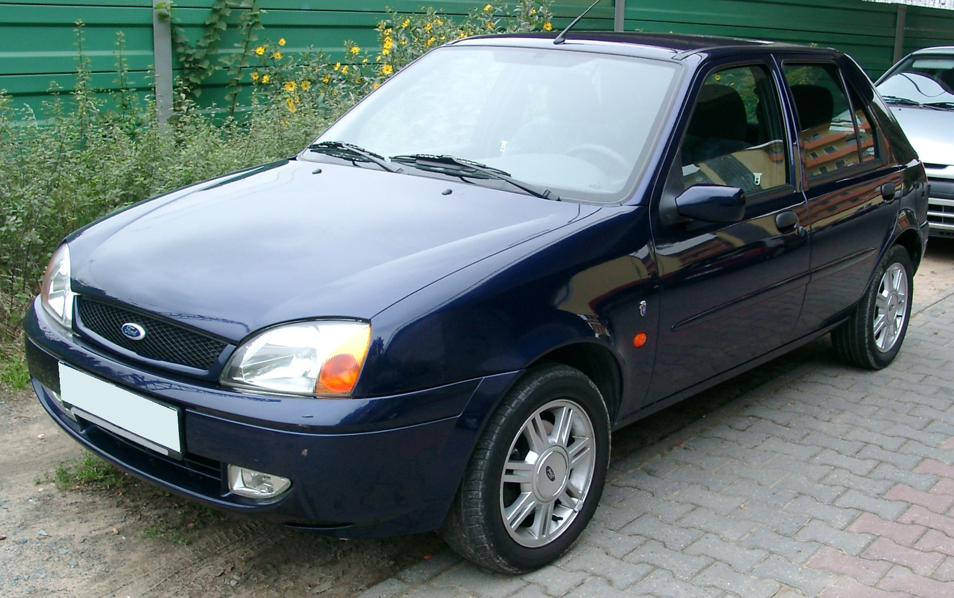Ford_Fiesta_MK5_front_20071002.jpg