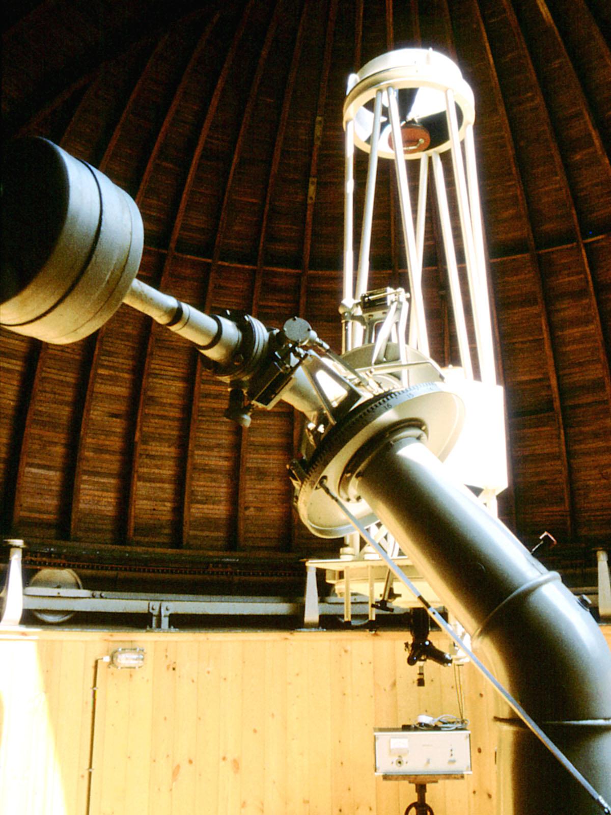 T lescope de type cassegrain wikip dia for Miroir parabolique telescope