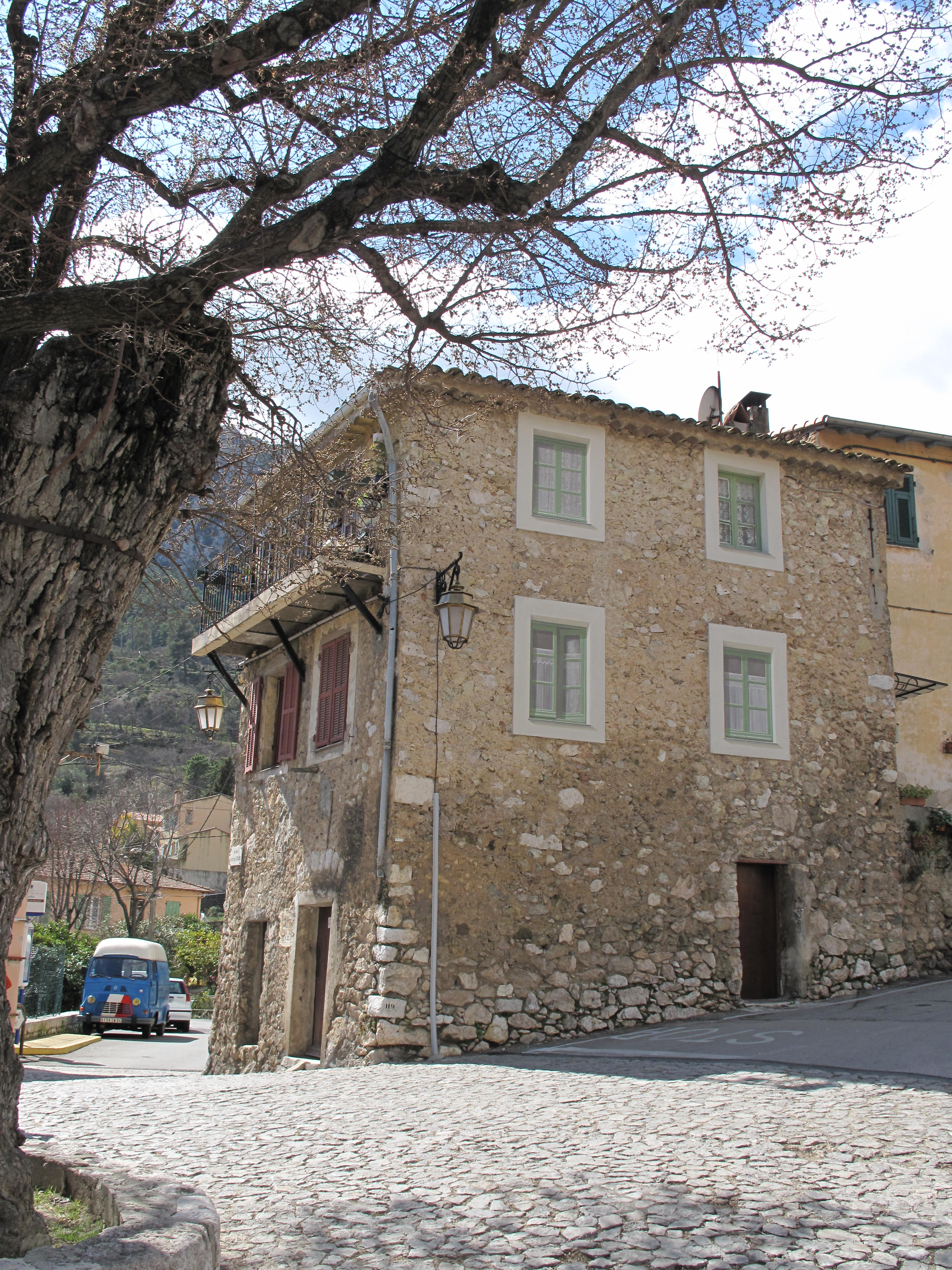 File gorbio maison avec fenetres en trompe l 39 wikimedia commons - Trompe l oeil maison ...