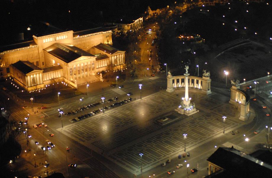 Image illustrative de l'article Hősök tere