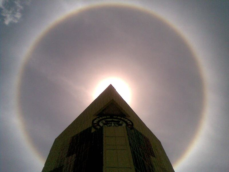 Sun Halo appeared in Padang,Indonesia
