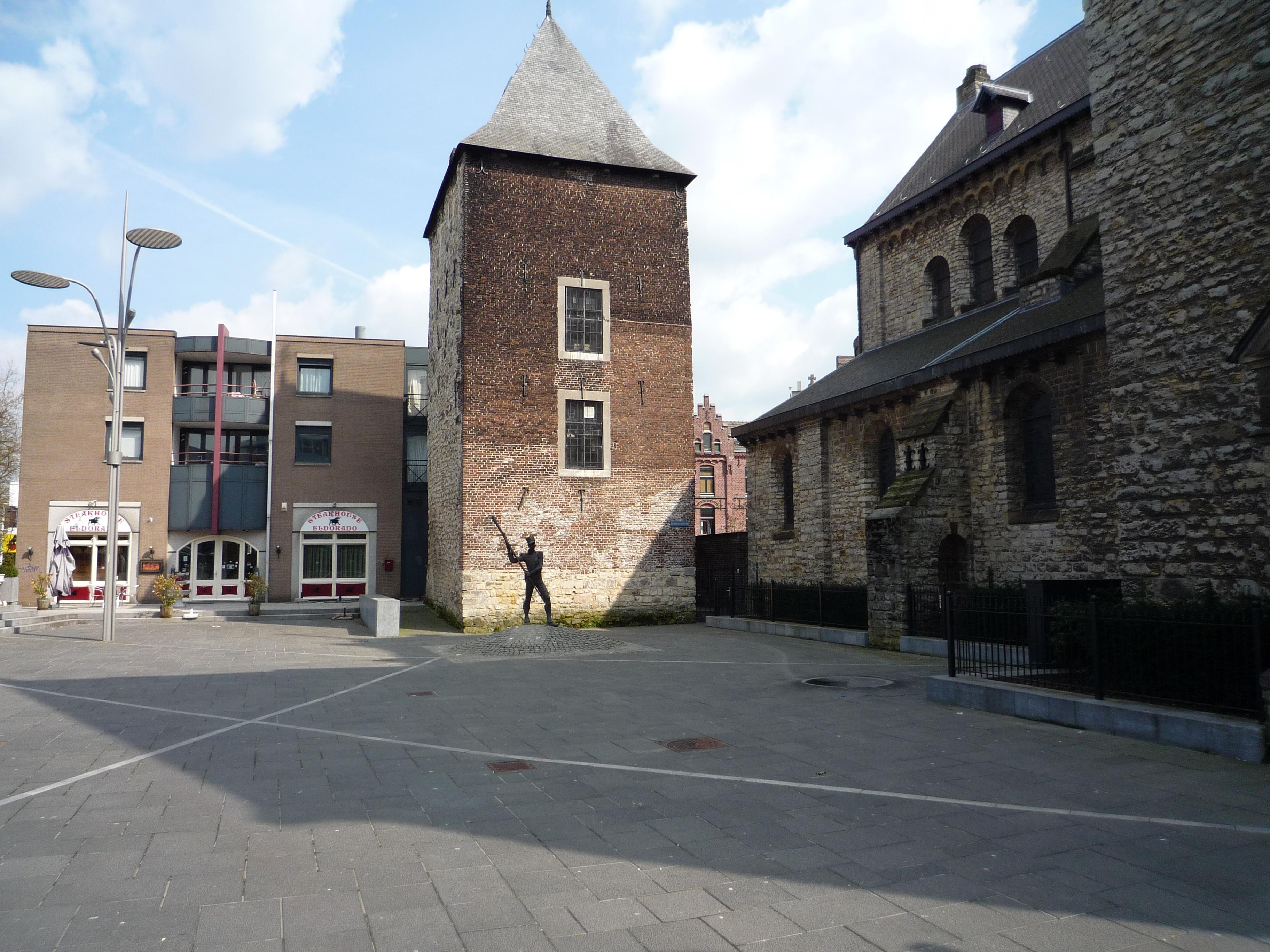 Quiz   Is het een foto van Heerlen of van een verlaten oorlogsgebied?   Bizar   Upcoming