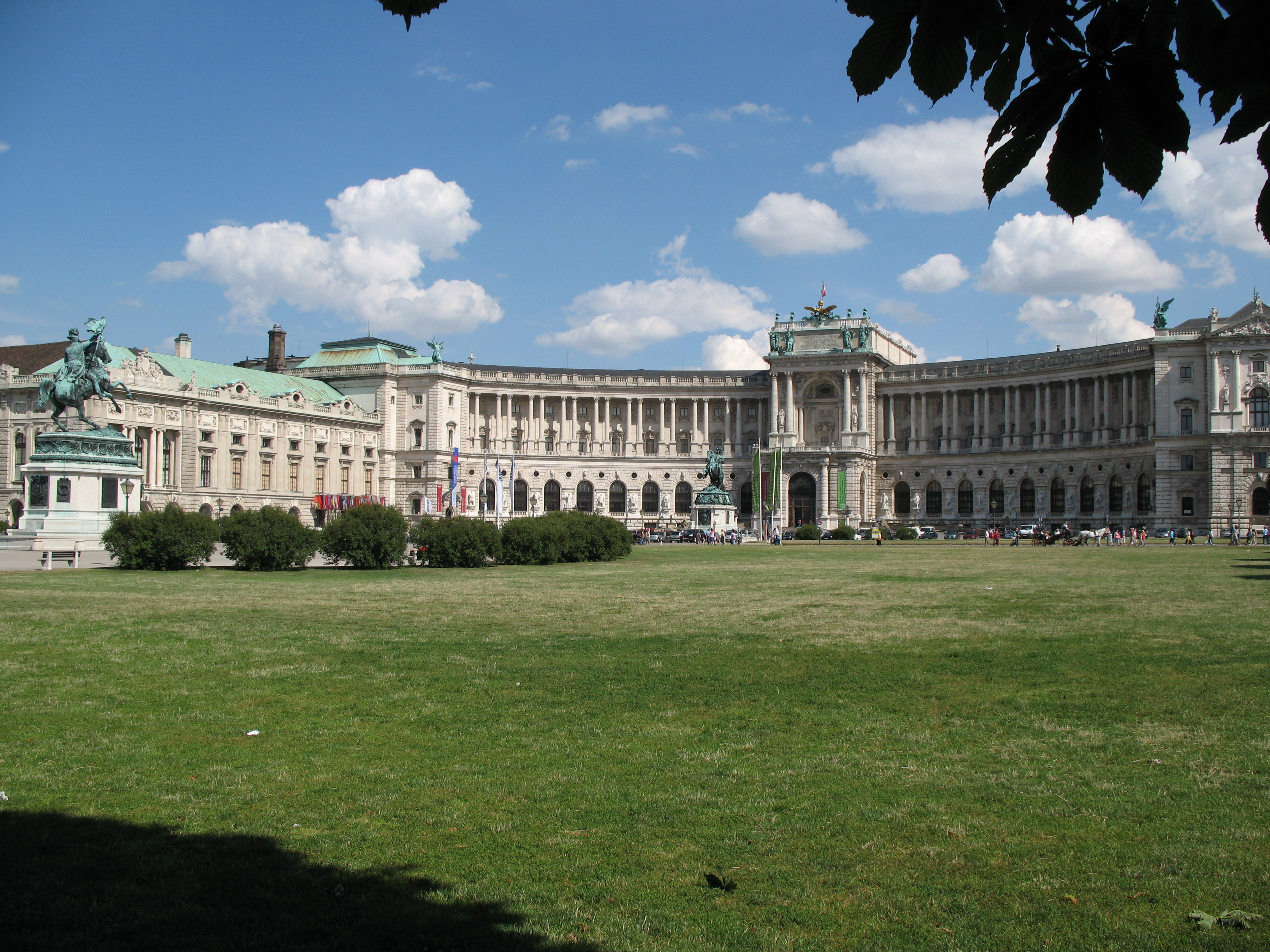 Imagini pentru heldenplatz wien