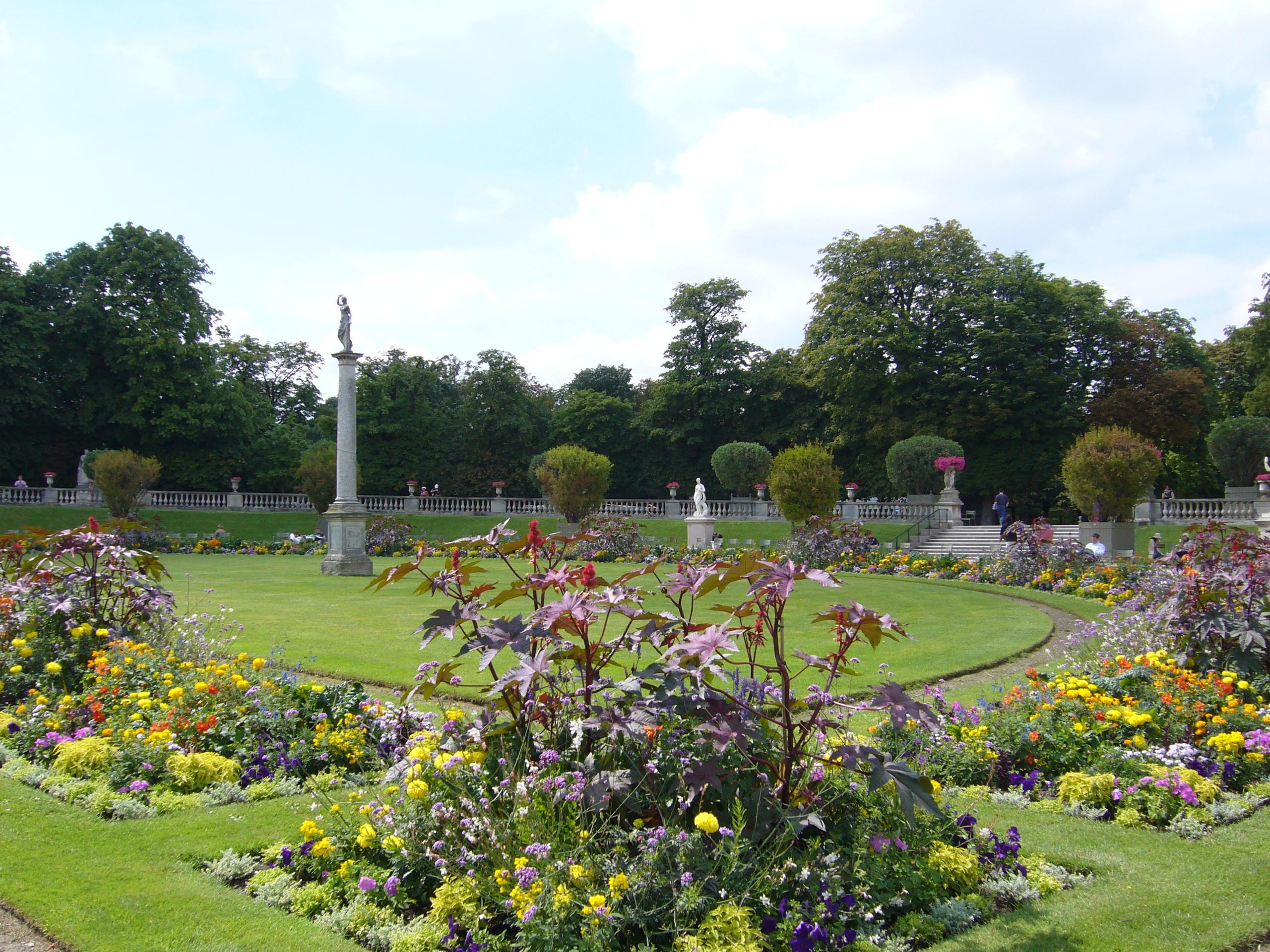 File jardins du luxembourg paris jpg wikimedia commons for Buvette des marionnettes du jardin du luxembourg