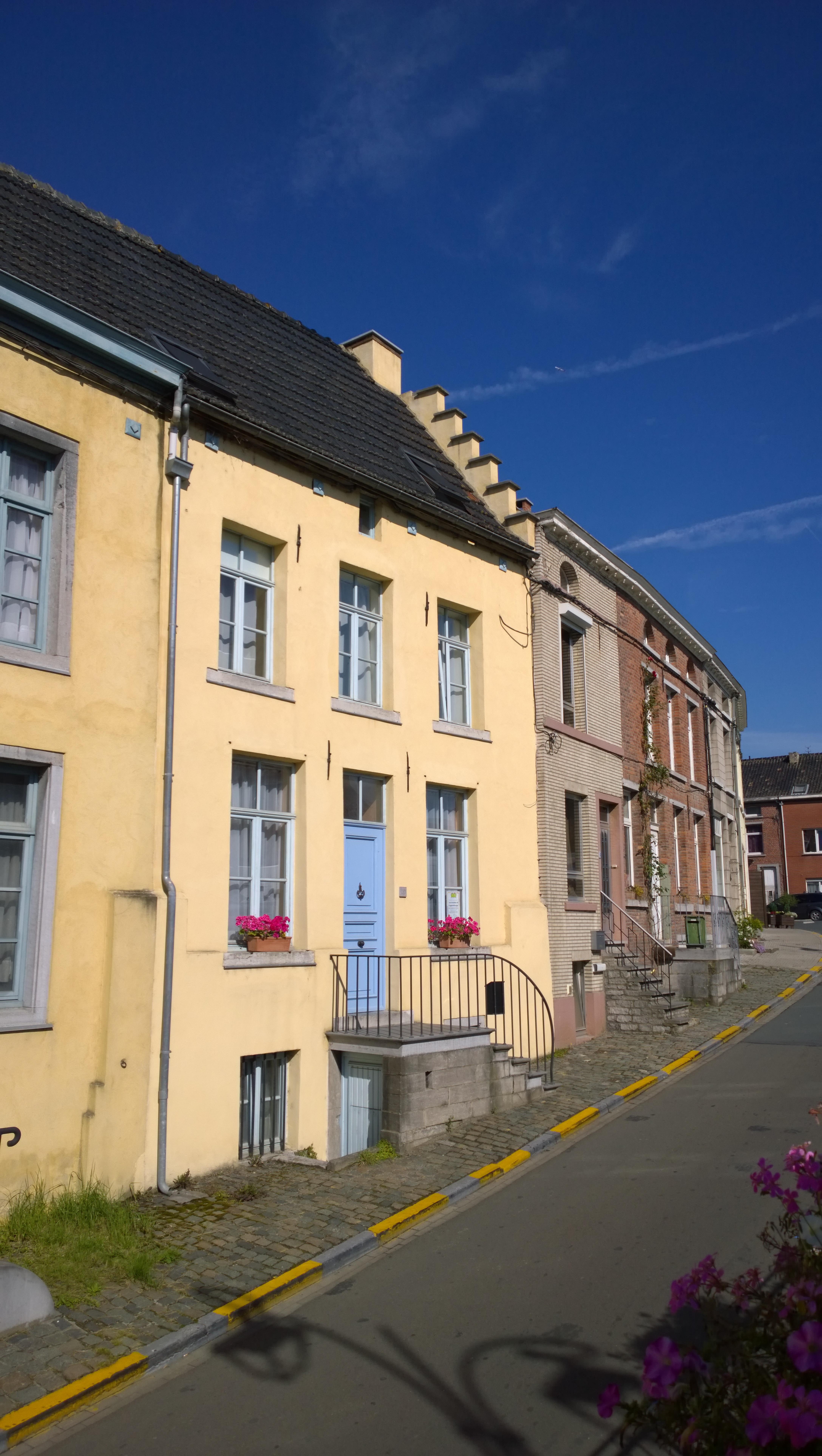 Fichier la facade et le perron de la maison grand place n 3 rebecq jpg wikip dia - Perron maison ...