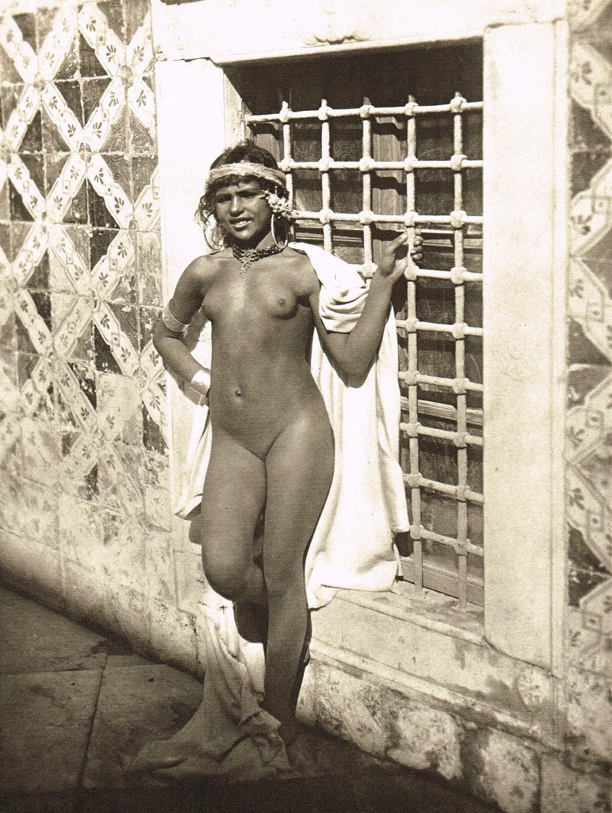 chicana-women-nude-beautiful-egyption-naked-girls-photos