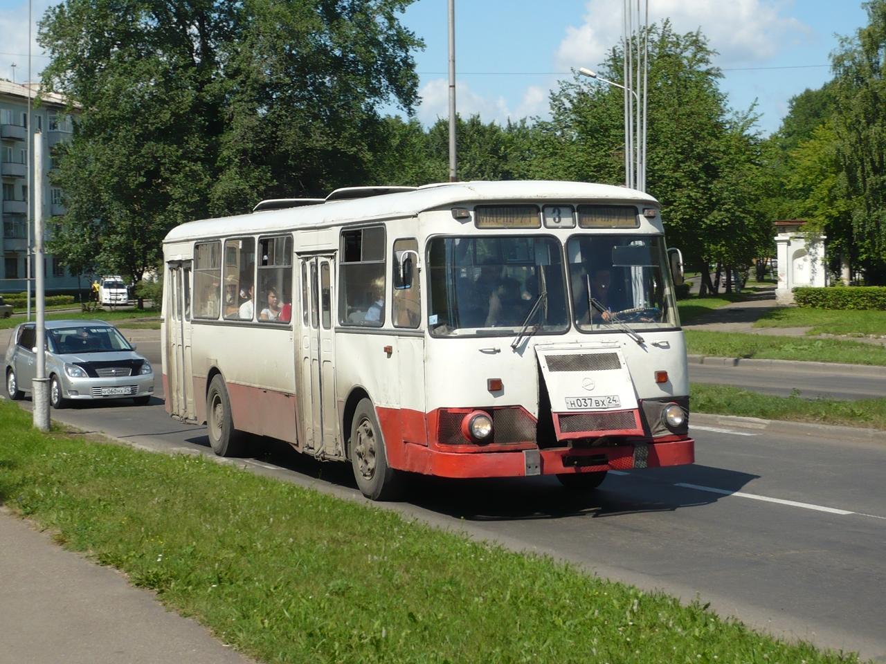 File:Liaz 677 Zheleznogorsk 2012.jpg
