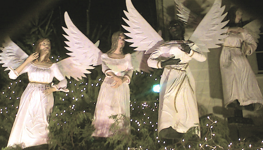 File Life Size Angel Christmas Decorations On Olympia