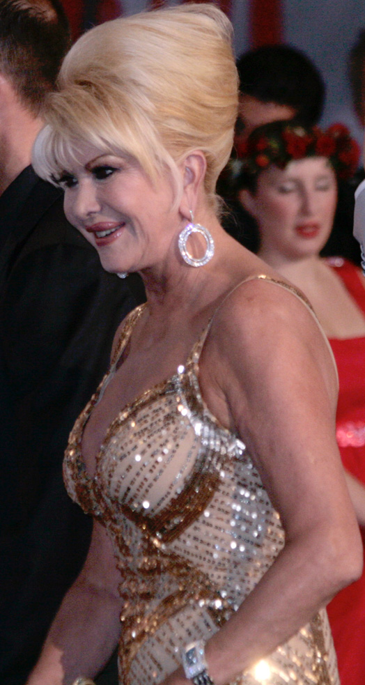 Life Ball 2009 (arrivals) Ivana Trump.jpg