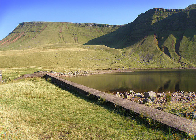 Llyn y Fan Fach - geograph.org.uk - 982555