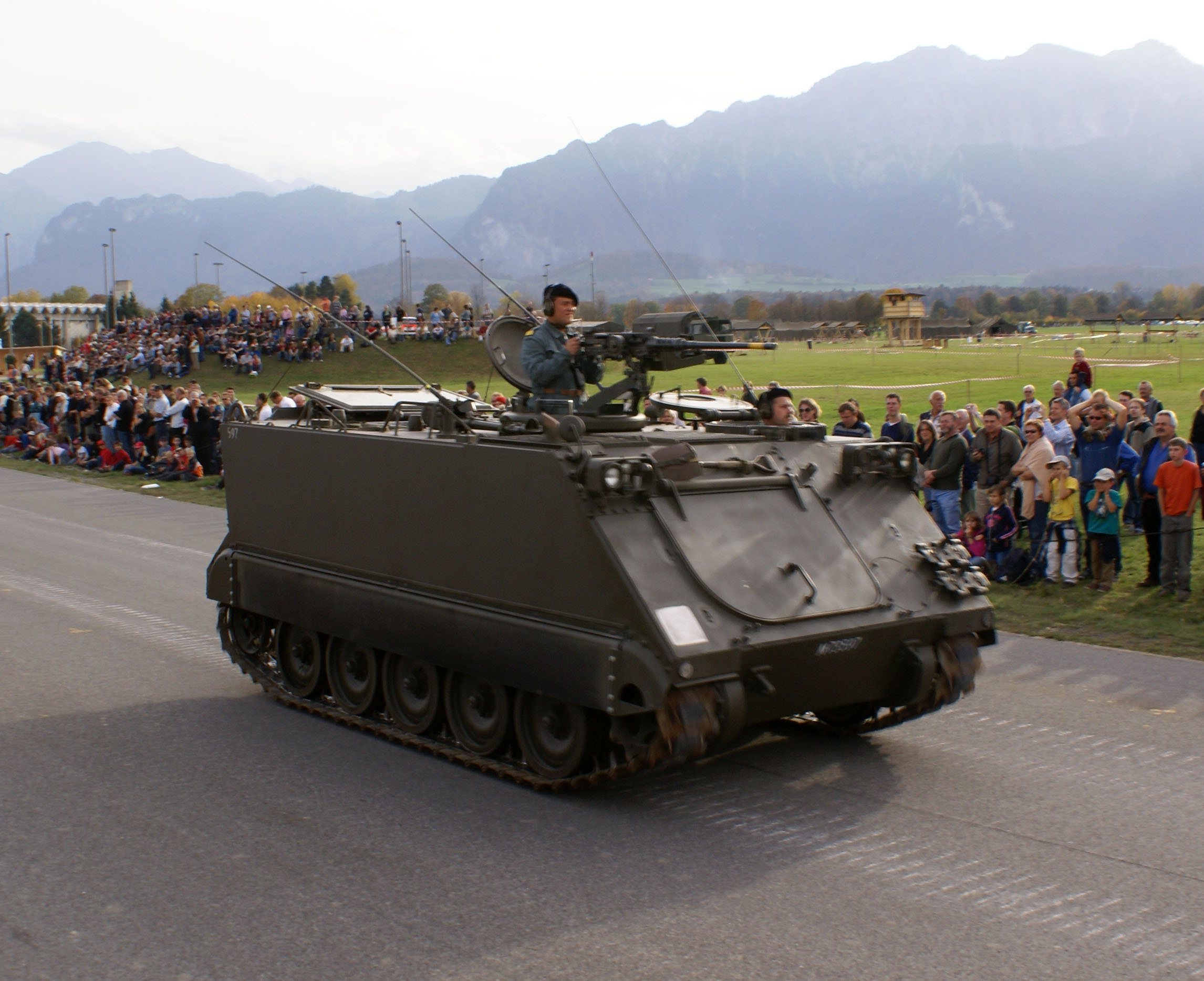 Description m113 schweizer armee steel parade 2006