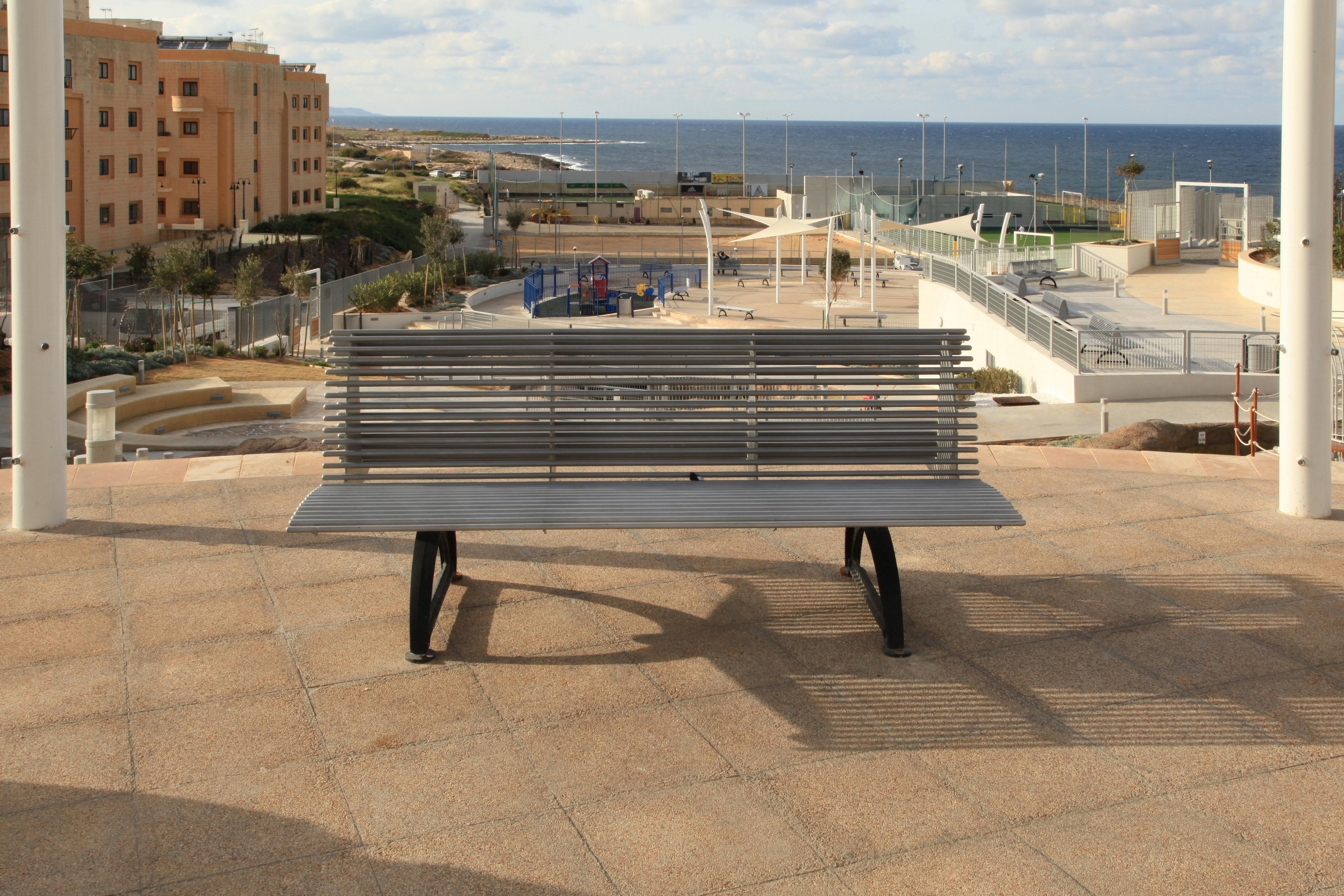File:Malta - Pembroke - Triq Pietro D\'Armenia - Pembroke Gardens 06 ...