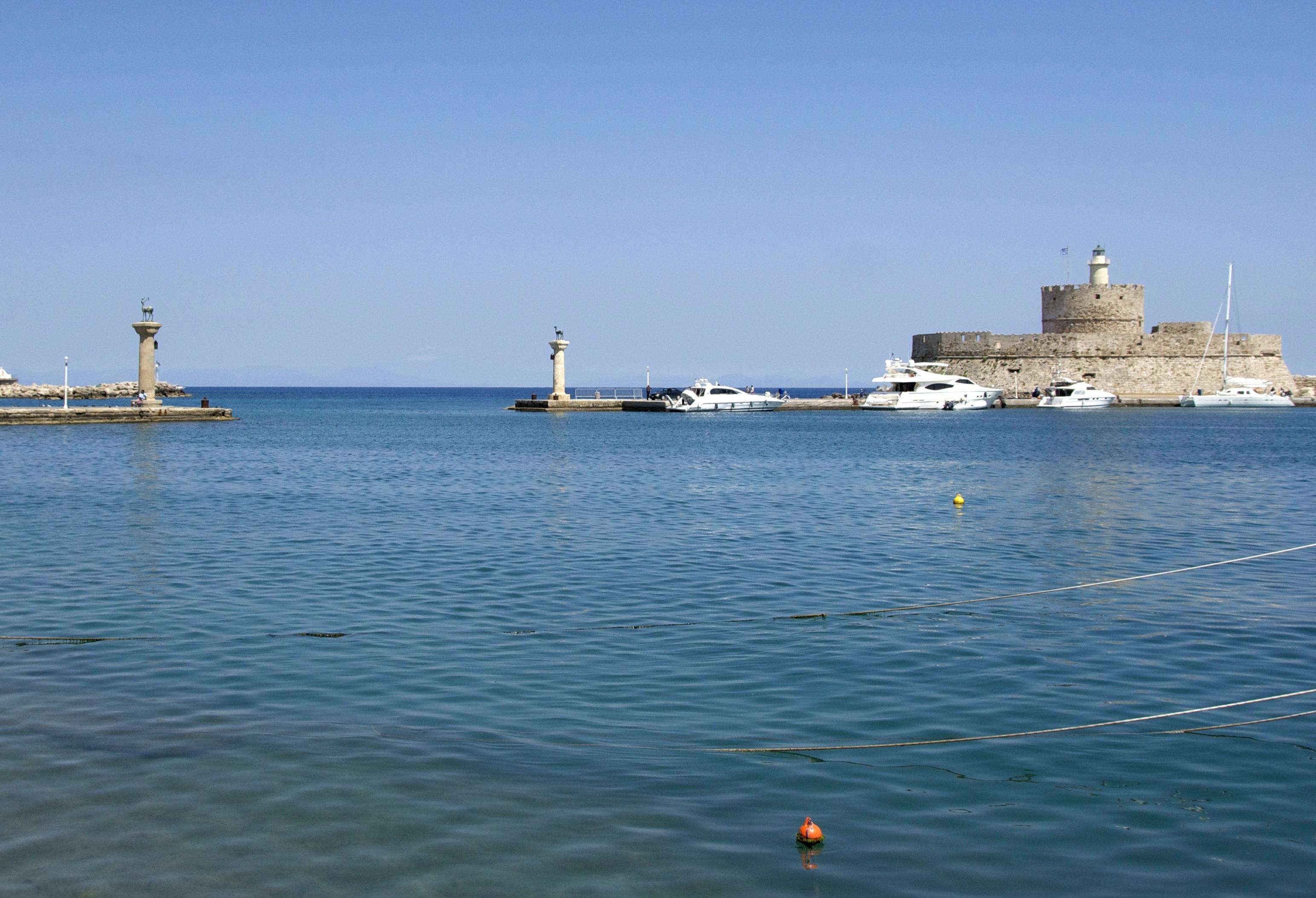 File:Mandraki colosseus harbour rhodes.jpg