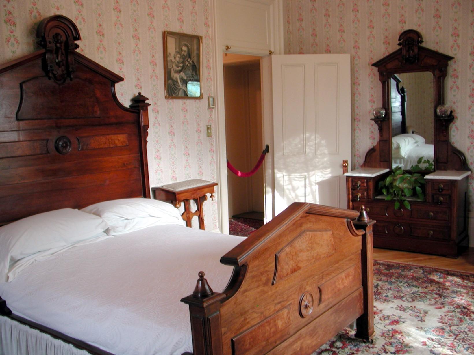 Decoration Simple Chambre Fille : FileMusée Laurier Chambre à coucherjpg  Wikimedia Commons