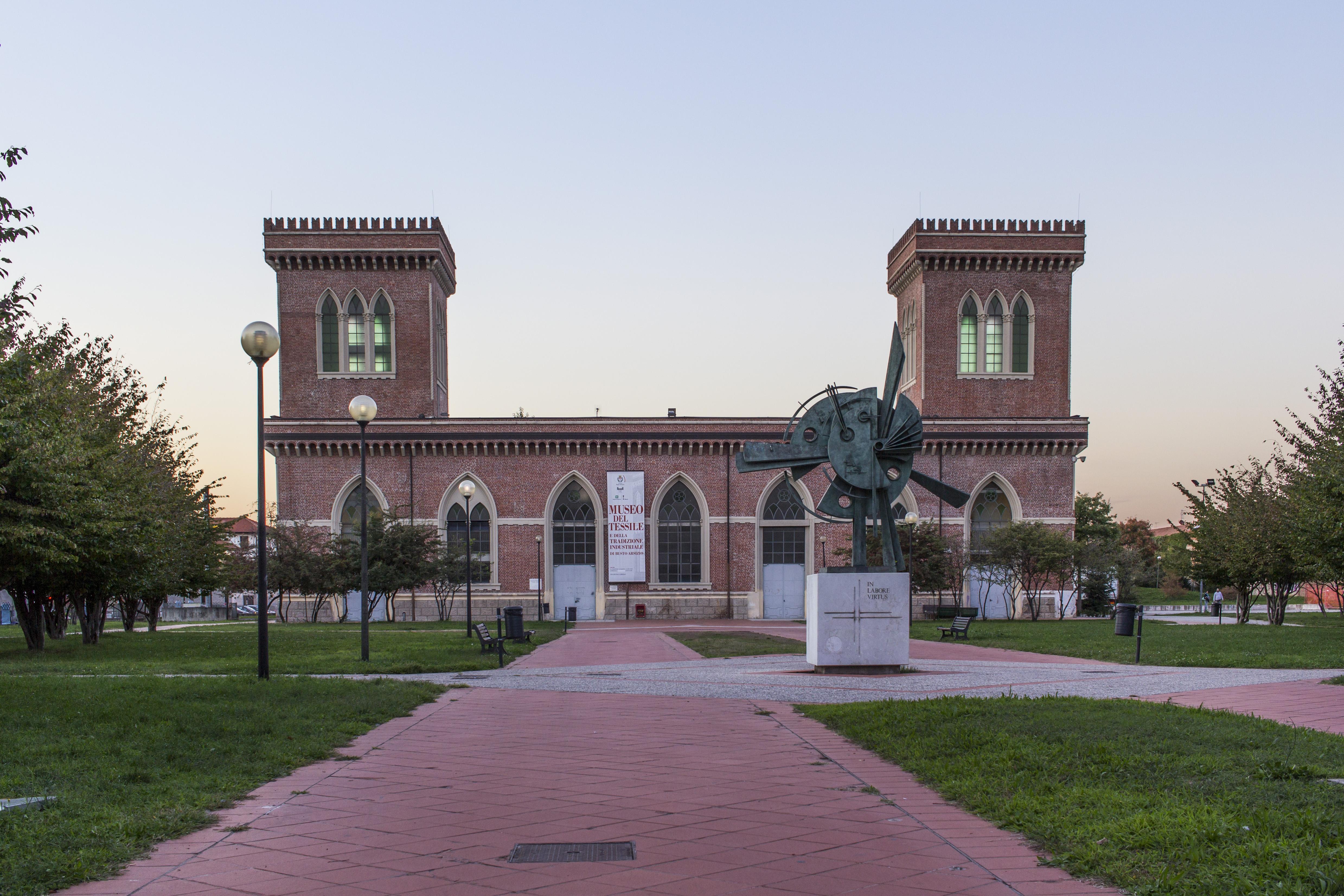 Sedile Imponente E Severo.Museo Del Tessile E Della Tradizione Industriale Di Busto Arsizio