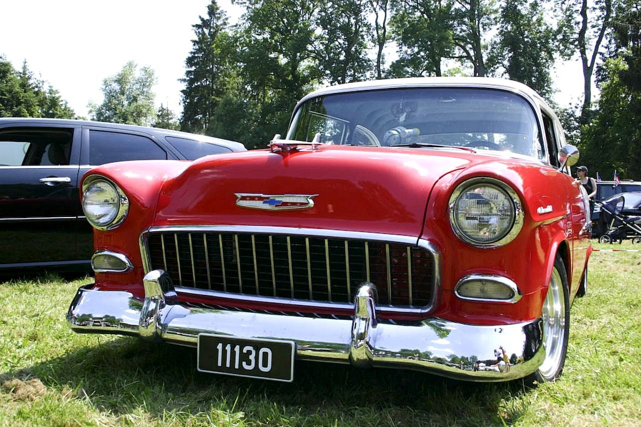 File:Oldtimer car front.jpg - Wikimedia Commons