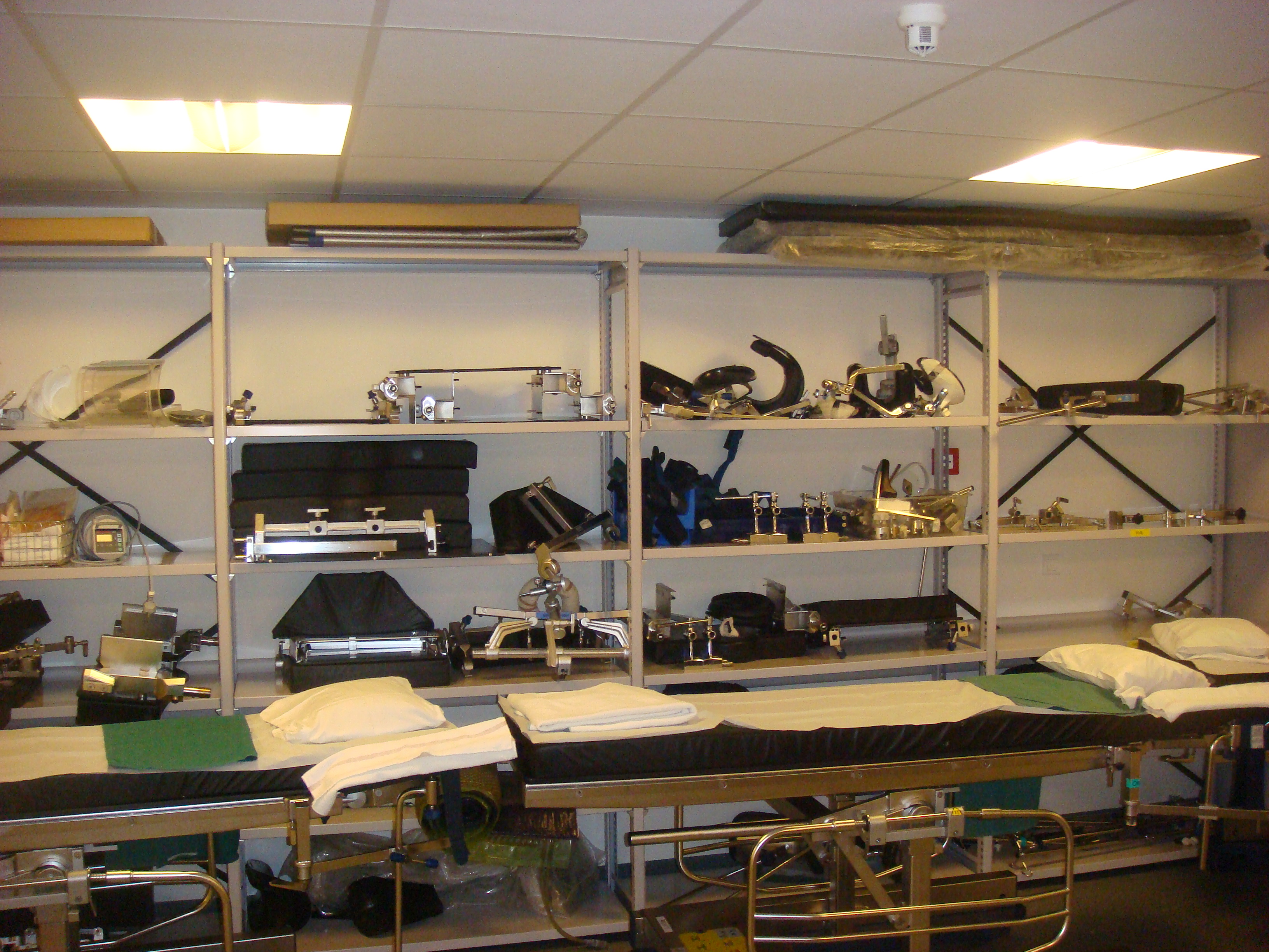File:Operating Room Store.JPG - Wikimedia Commons