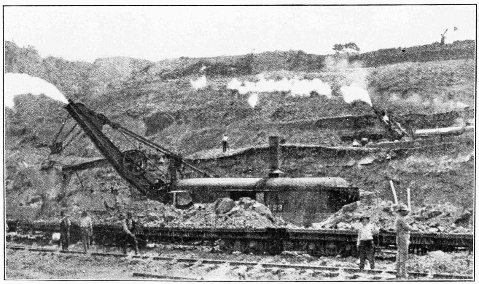 PSM V74 D428 Steam shovels loading ledgerwoods flats in culebra cut.png