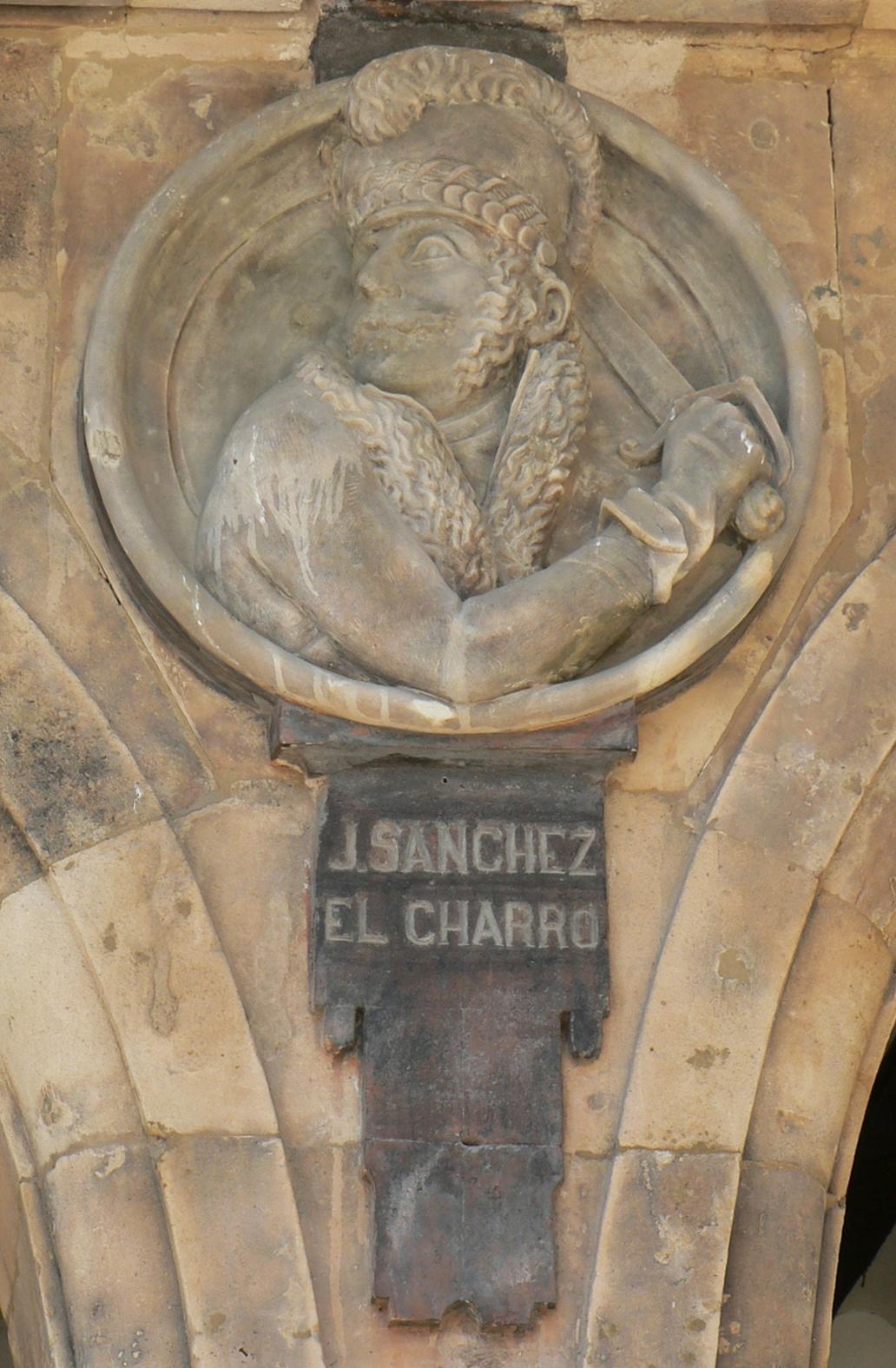 Pabellón Petrineros medallón 20 Julián Sanchez El Charro.JPG
