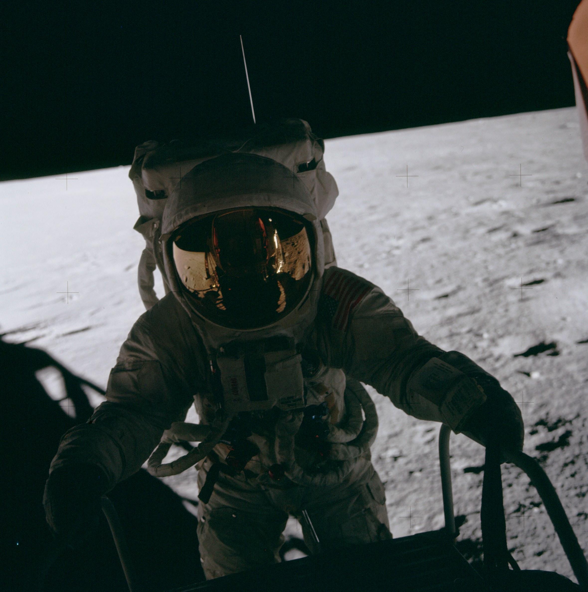 Apollo 12 (1969) Pete_Conrad_on_LM_ladder%2C_Apollo_12