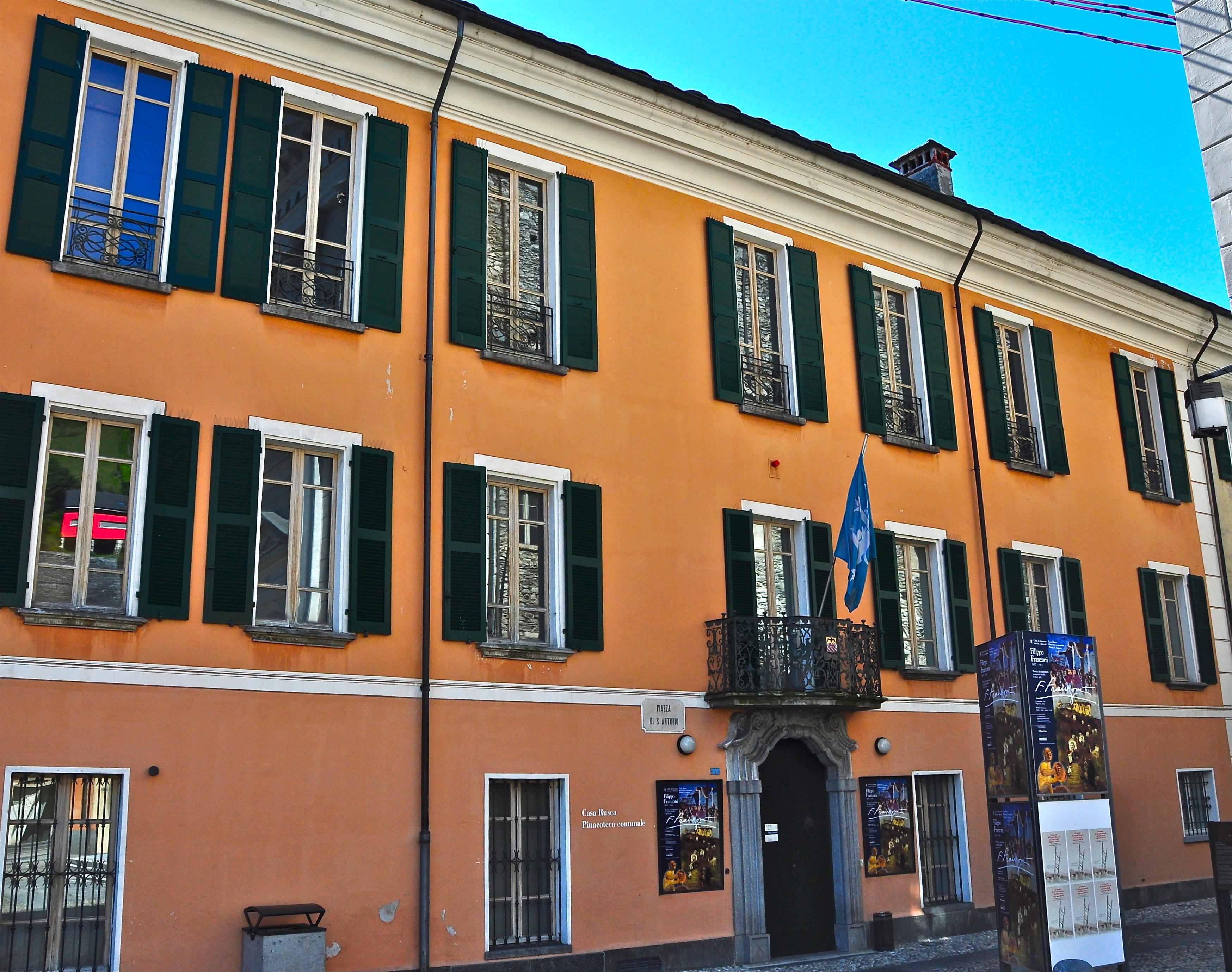 File pinacoteca comunale casa wikimedia commons for Casa comunale