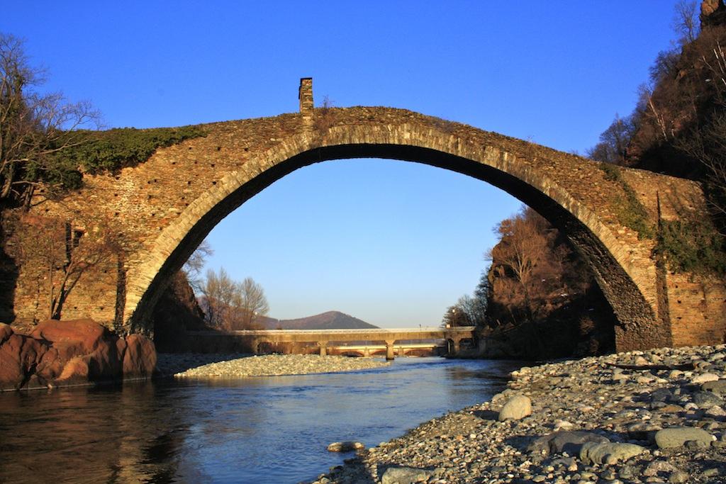 File ponte del diavolo valli di lanzo lanzo torinese1 for Piani di fondazione del ponte