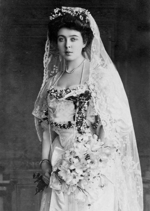 File Princess Margaret In Wedding Dress Jpg Wikimedia Commons