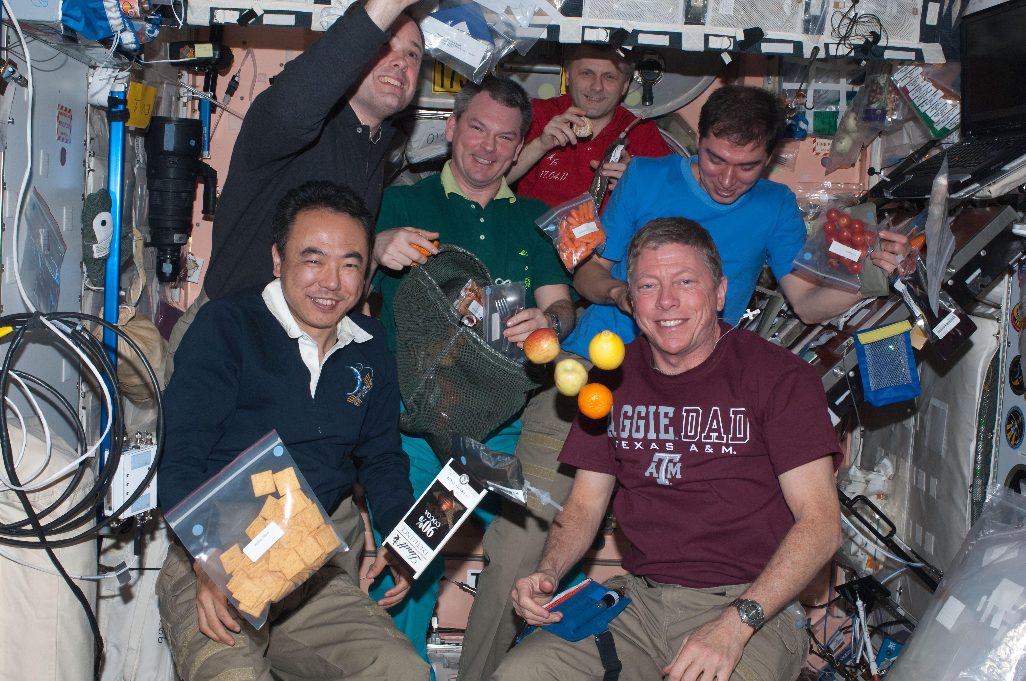 eating in space