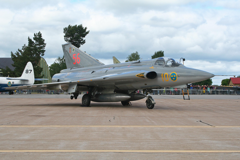 File:Saab J35J Draken 35556 56 (8406076139).jpg