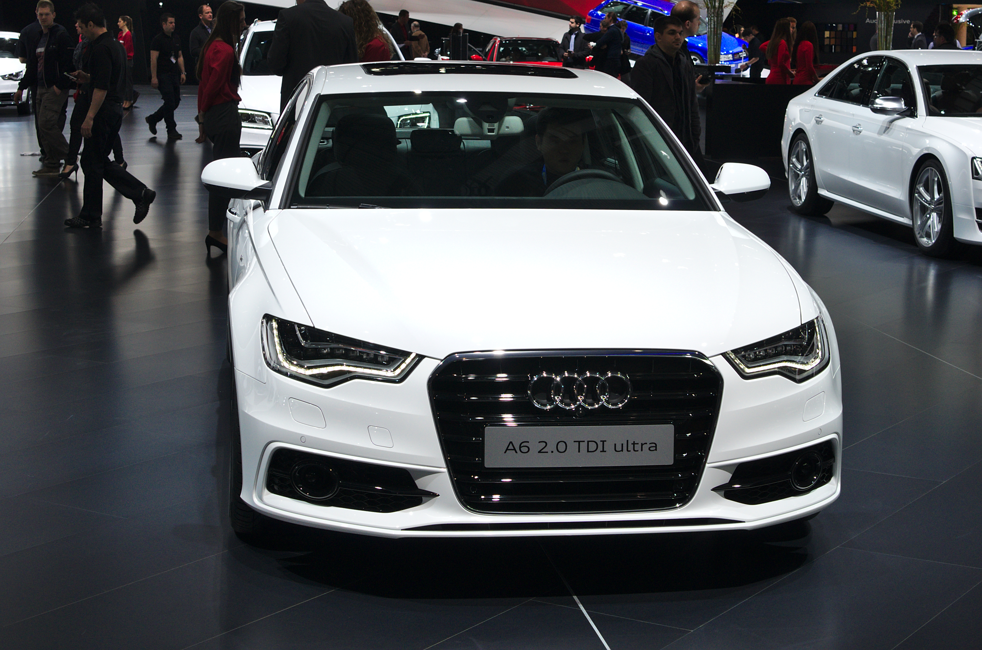 File salon de l 39 auto de gen ve 2014 20140305 audi a6 2 for Adresse salon de l auto geneve