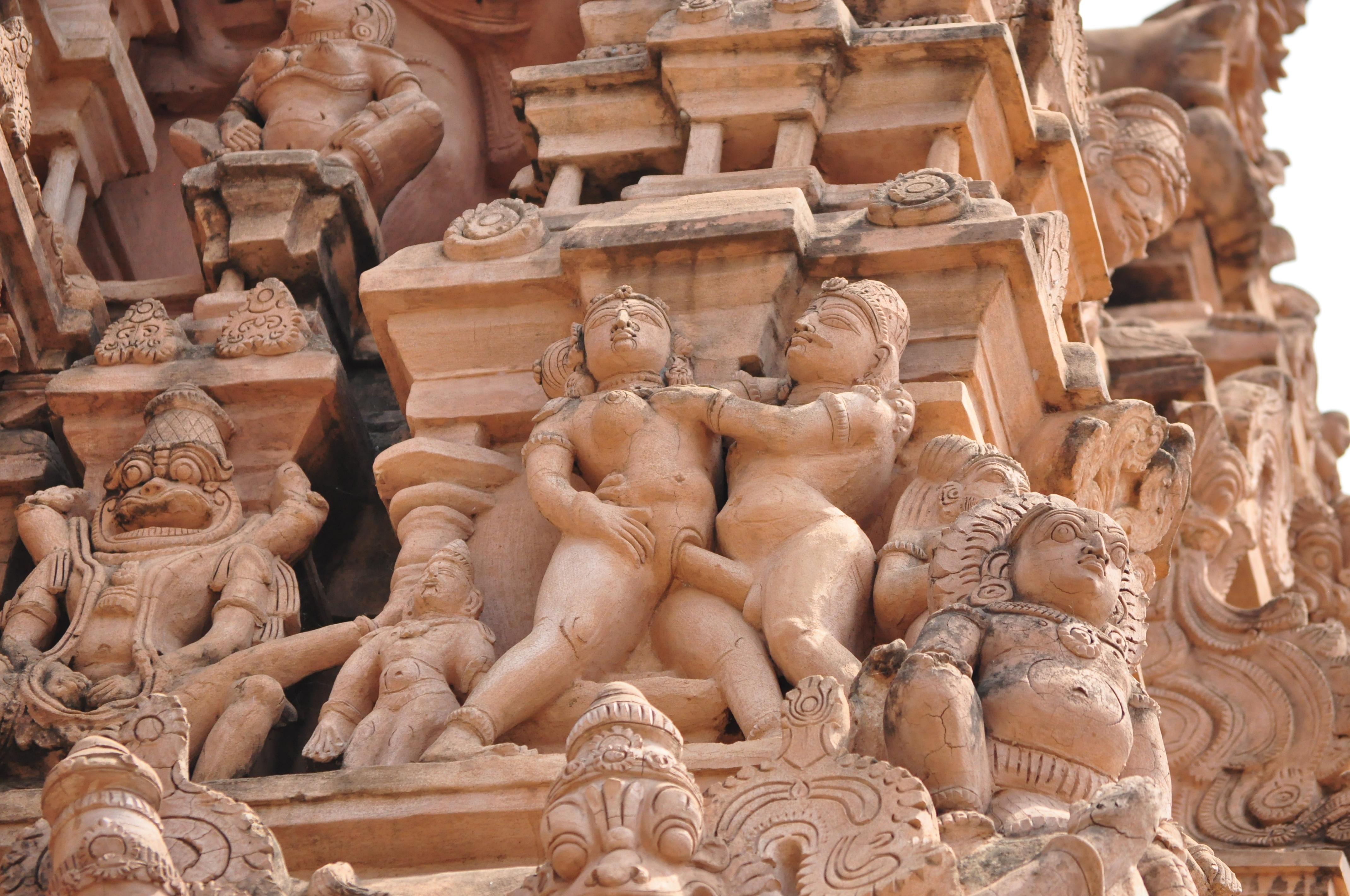 Statue sex nackt scenes