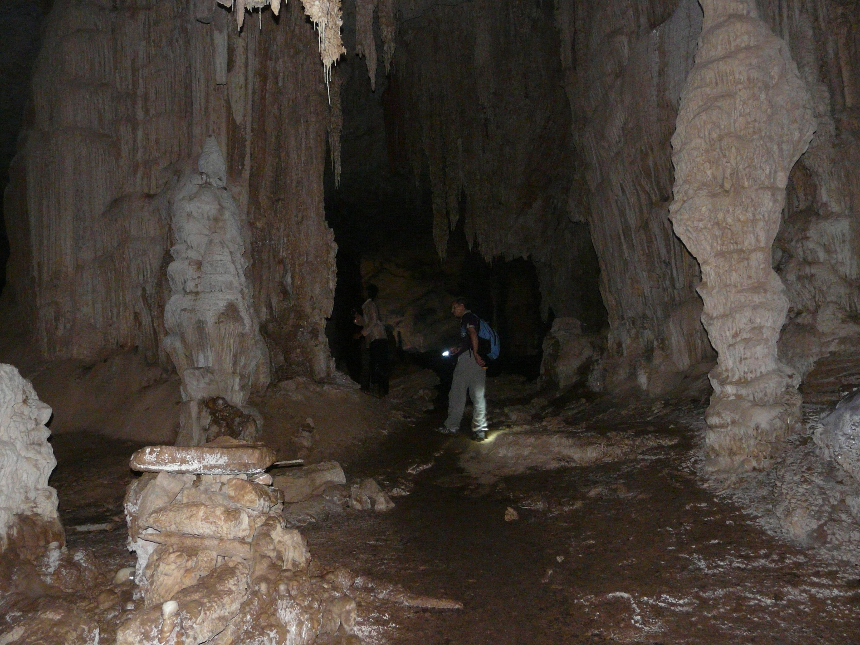 Sokotra - otok koji kao da nije s našeg Planeta Socotra_Cave_02