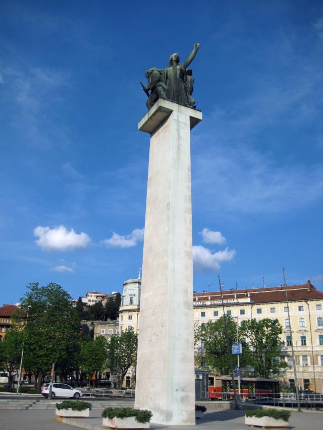 File Spomenik Oslobodjenja Rijeka 040408 Jpg Wikimedia Commons