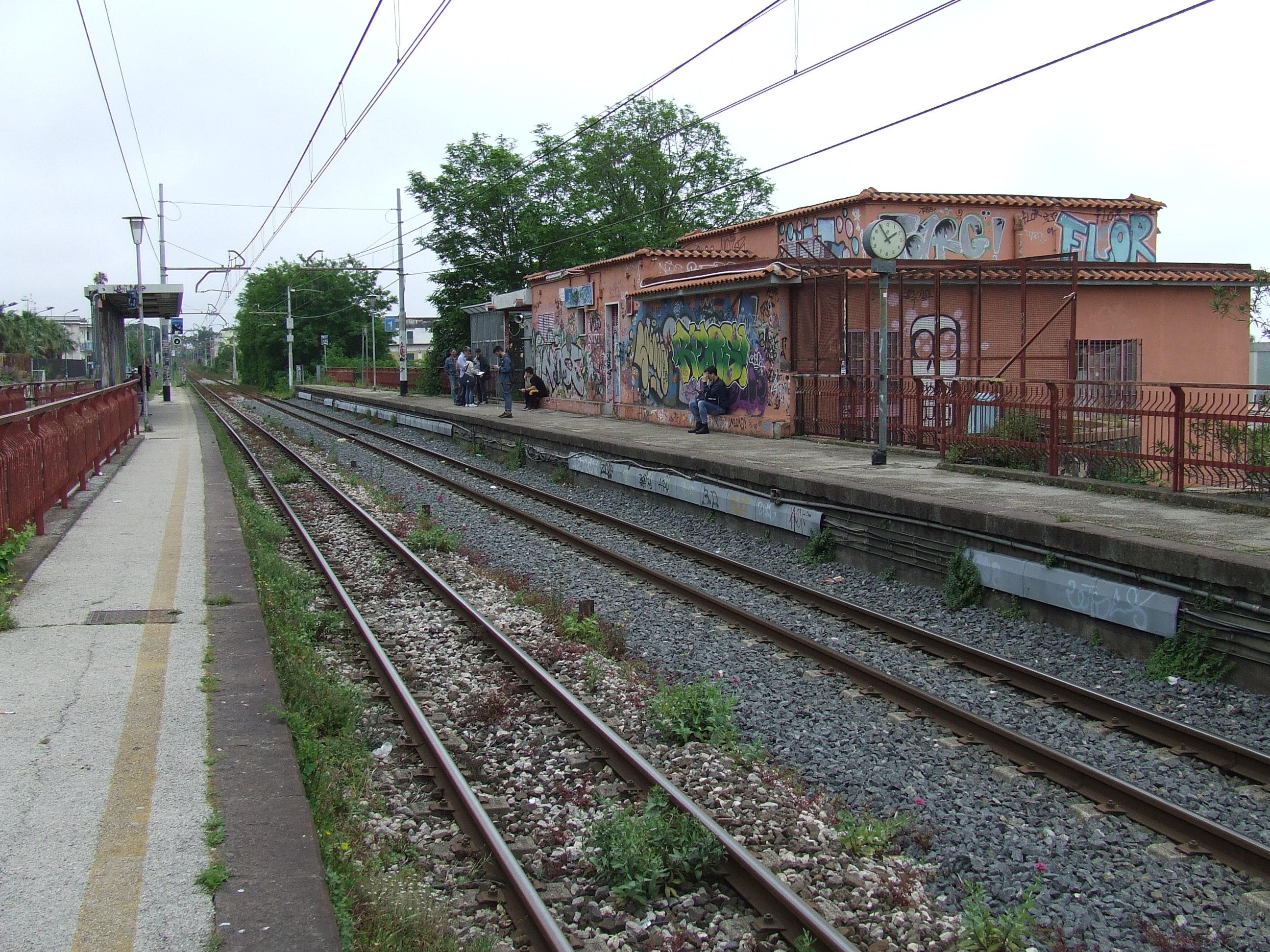 Stazione di Via Sant'Antonio - Wikipedia