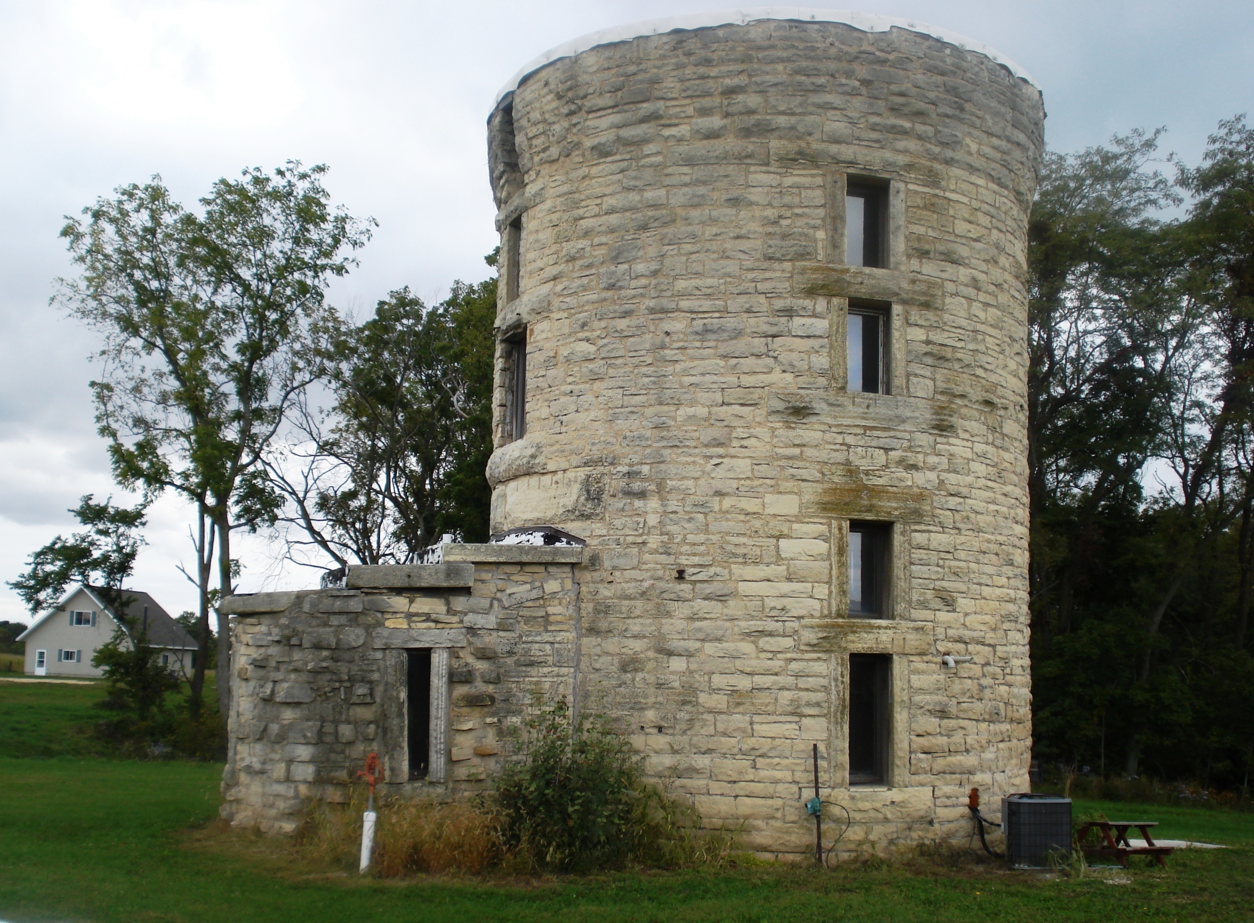 File Stone City Water Tower Jpg Wikimedia Commons