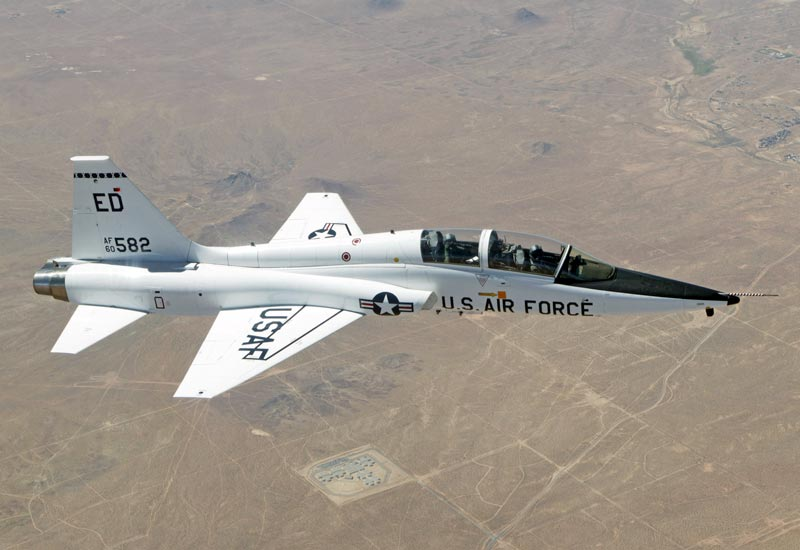 [Image: T-38_Talon_over_Edwards_AFB.jpg]