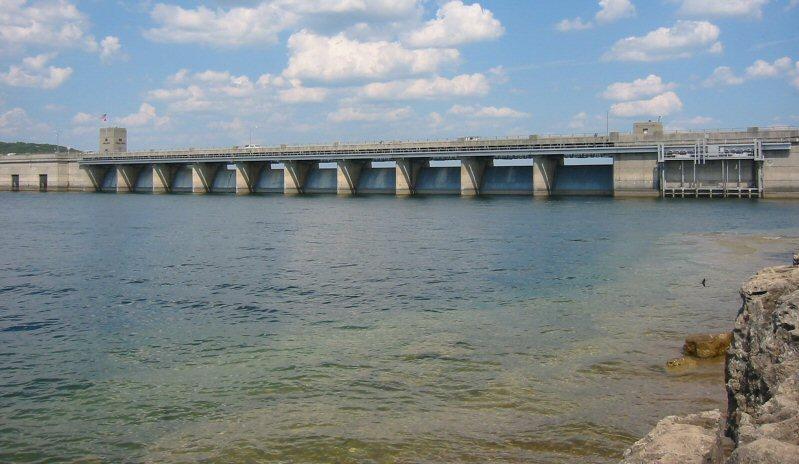 Building dams is a threat to freshwater http://en.wikipedia.org/wiki/File:Table_Rock_Dam.jpg