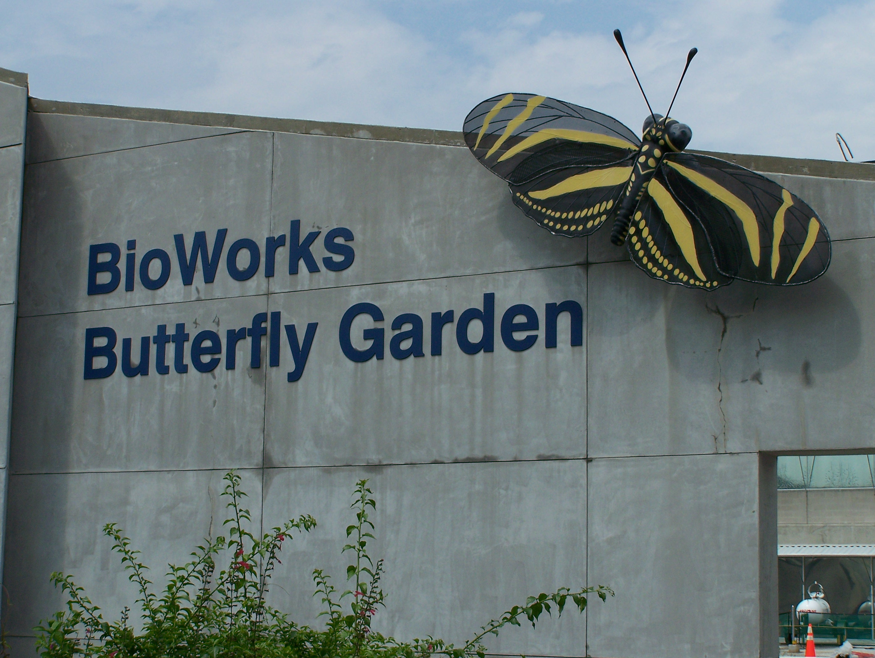 Exceptionnel File:The Bio Works Butterfly Garden