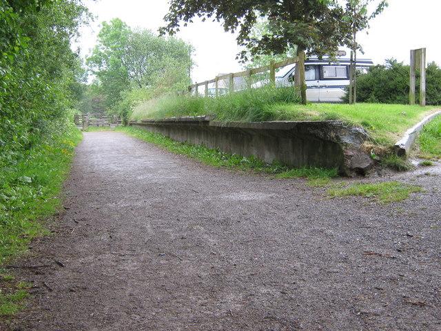 The old platform, Biddulph Station - geograph.org.uk - 1342716