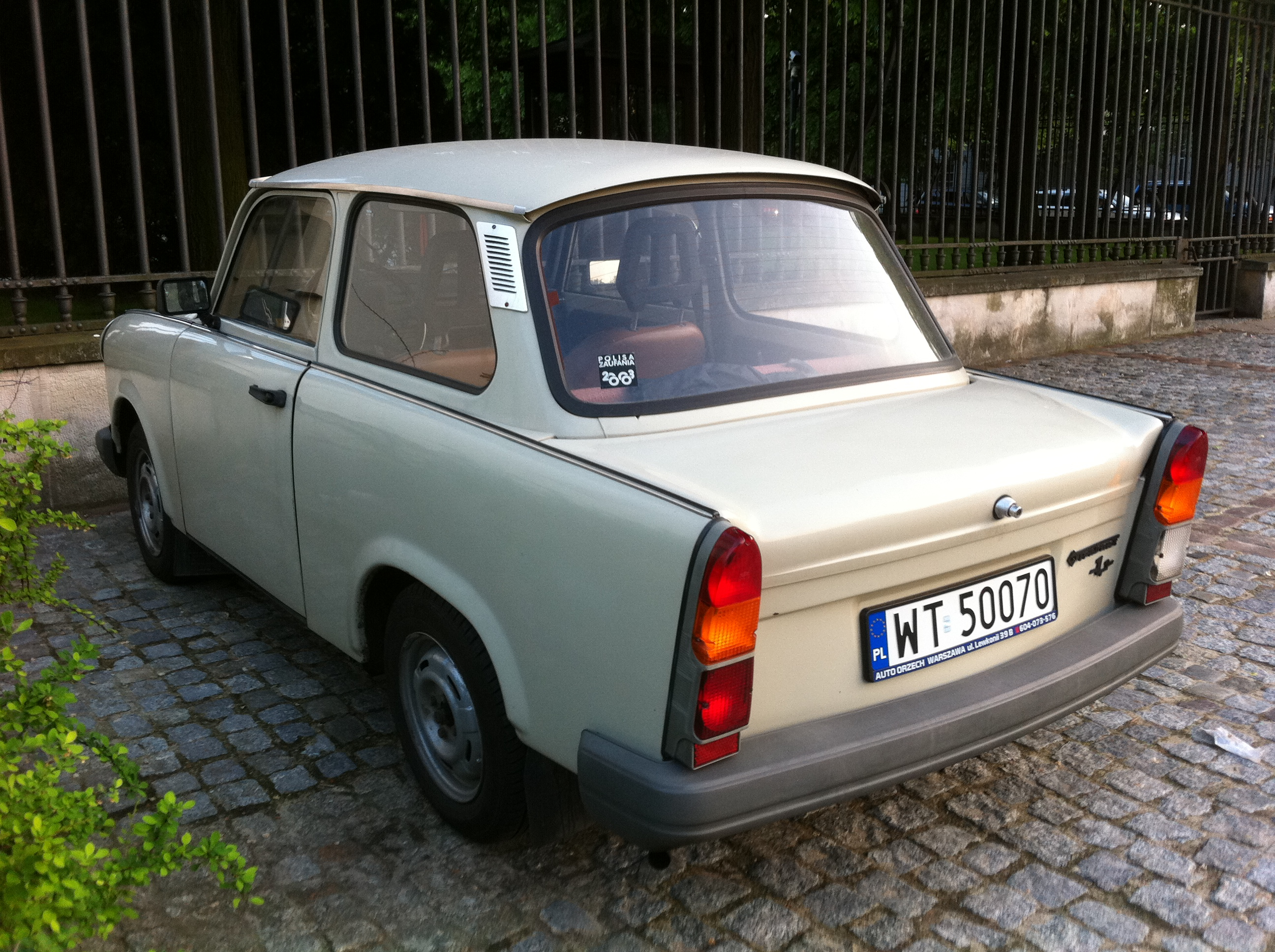 file trabant 1 1 sedan next to belweder palace. Black Bedroom Furniture Sets. Home Design Ideas