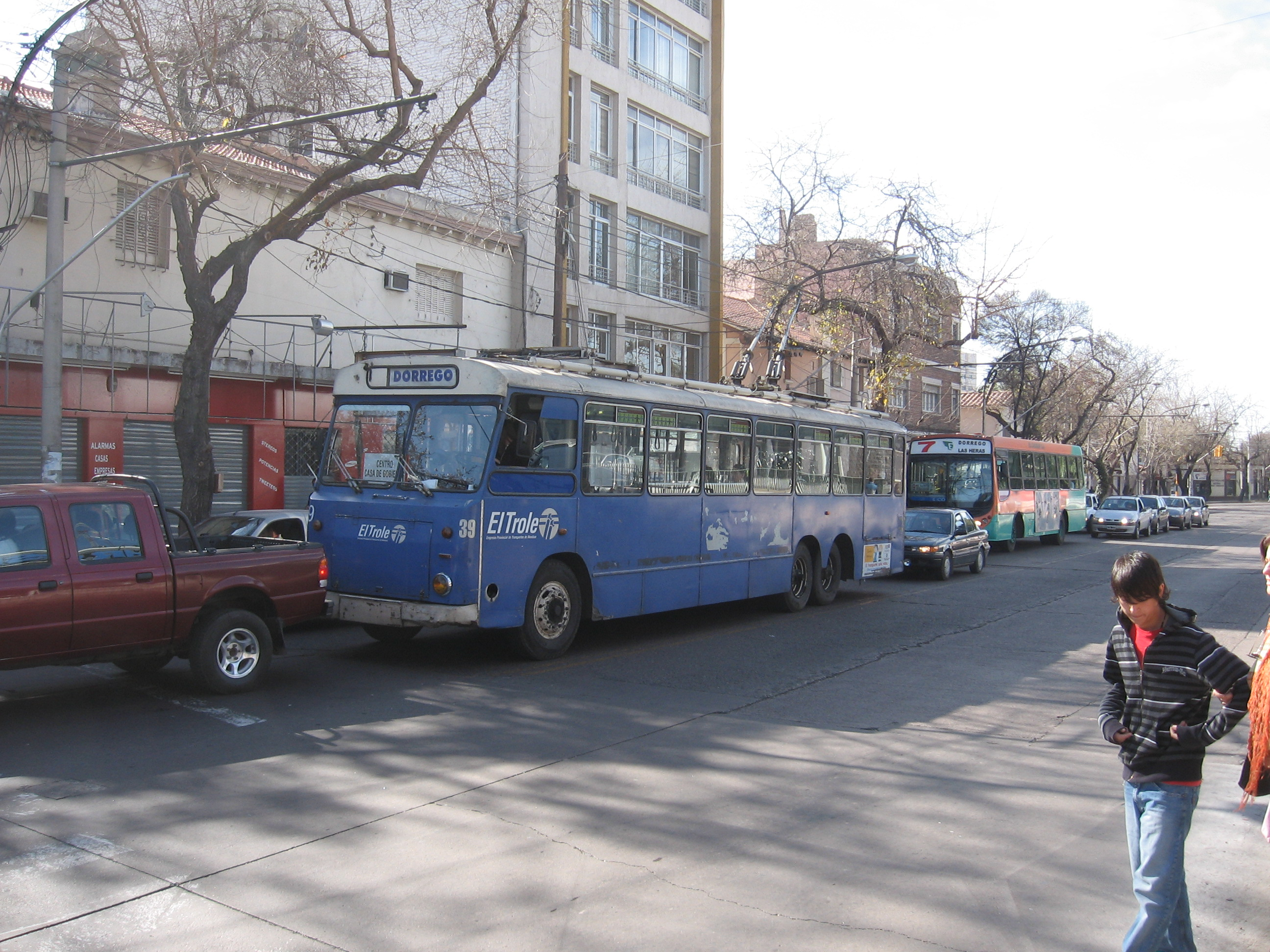 Trolleybus in the city of Mendoza. Operating since 1957, they were put up at a time when most cities around the world were dismantling theirs.