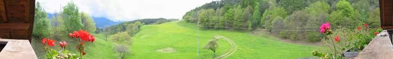 Una foto panoramica composta orizzontalmente.