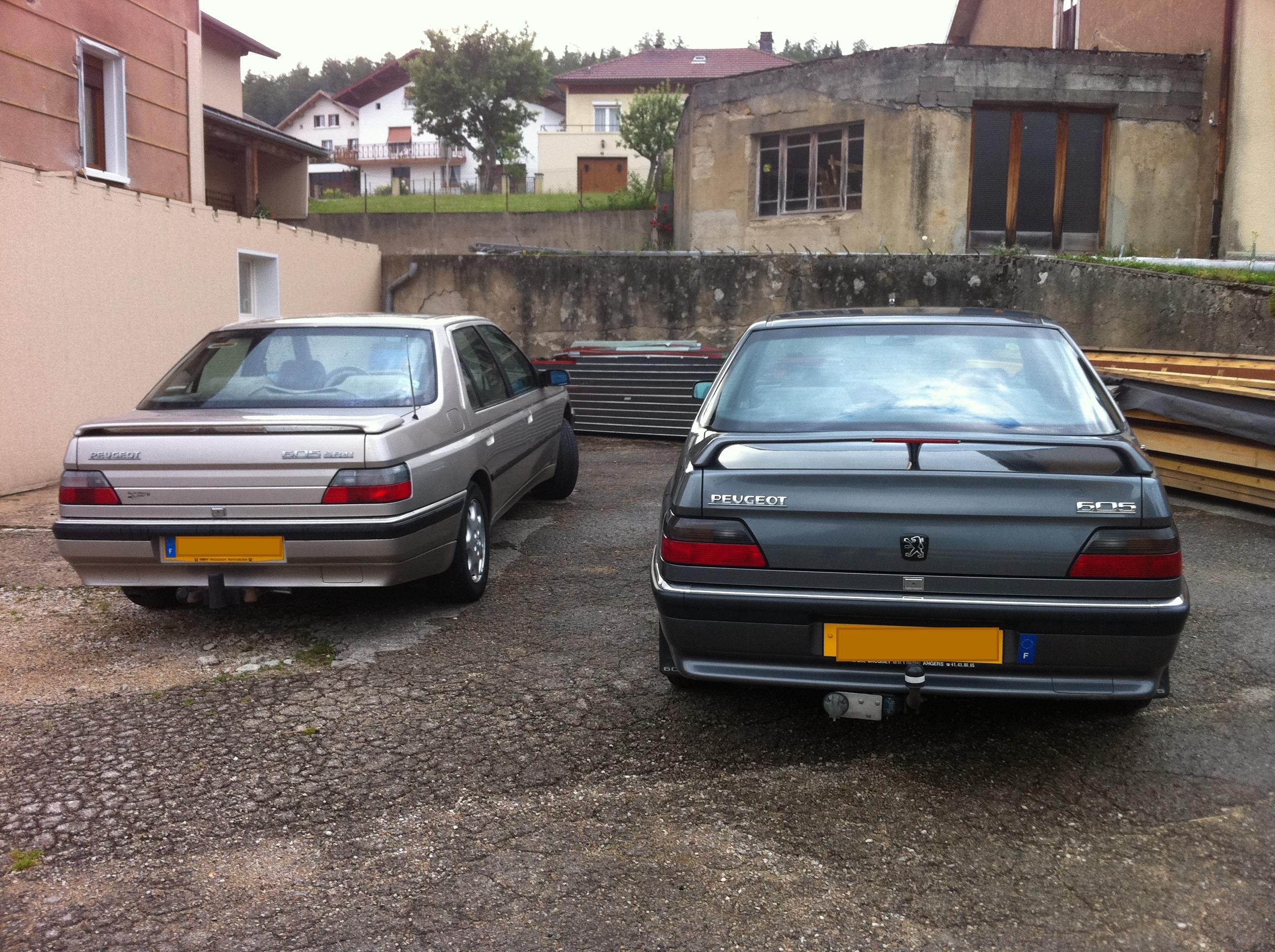 File:Vue arrière Peugeot 605 série 1 et série 2.JPG