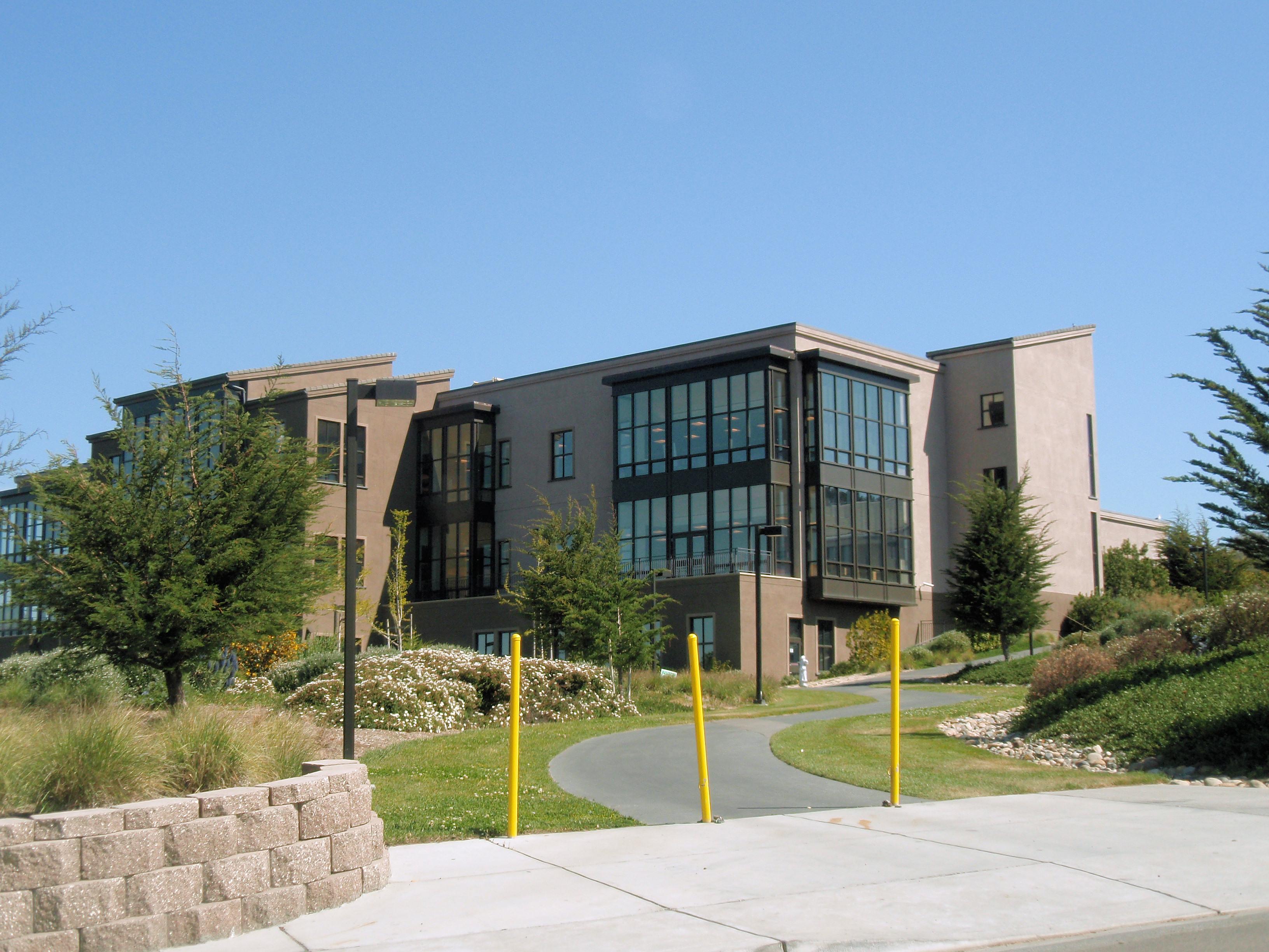 4%2f41%2fmonterey peninsula college building