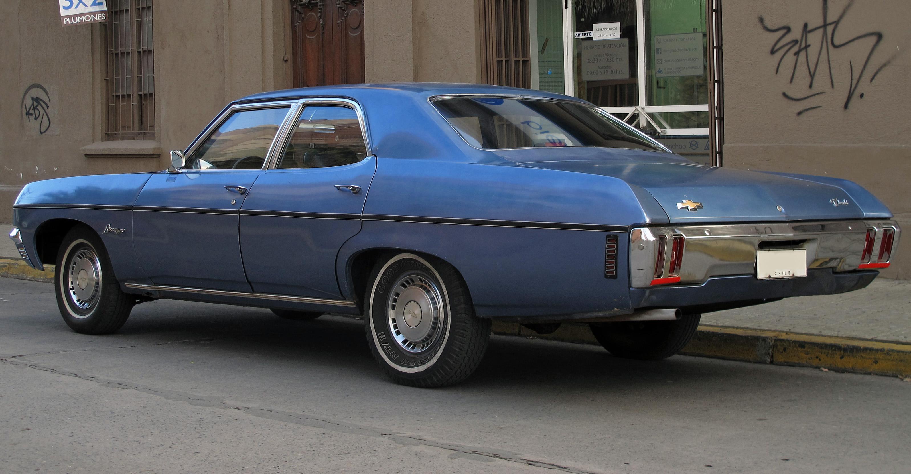 file 1970 chevrolet biscayne 4 door sedan rear left jpg wikimedia commons https commons wikimedia org wiki file 1970 chevrolet biscayne 4 door sedan rear left jpg