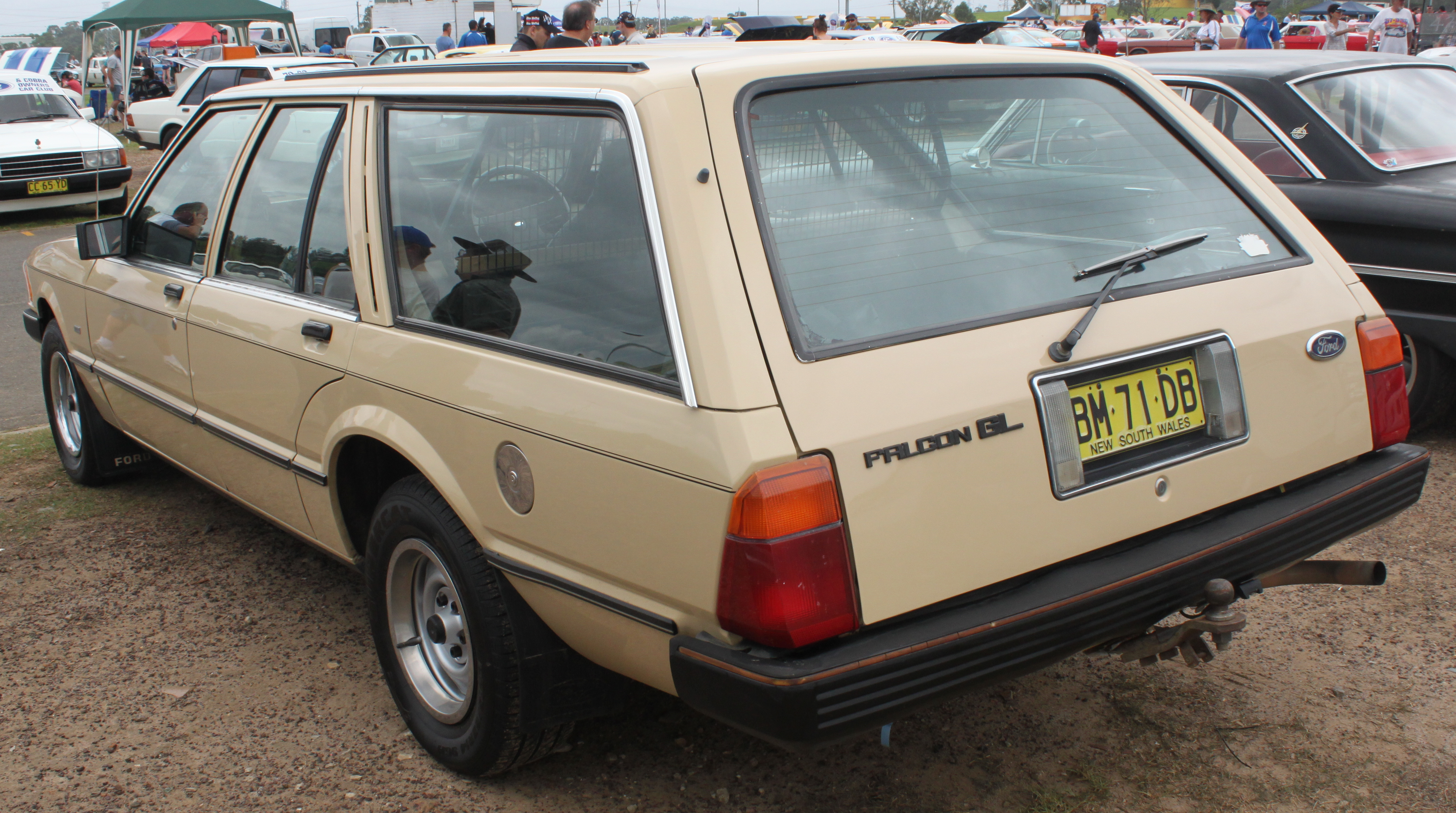 Ford Falcon (XE) - Wikiwand